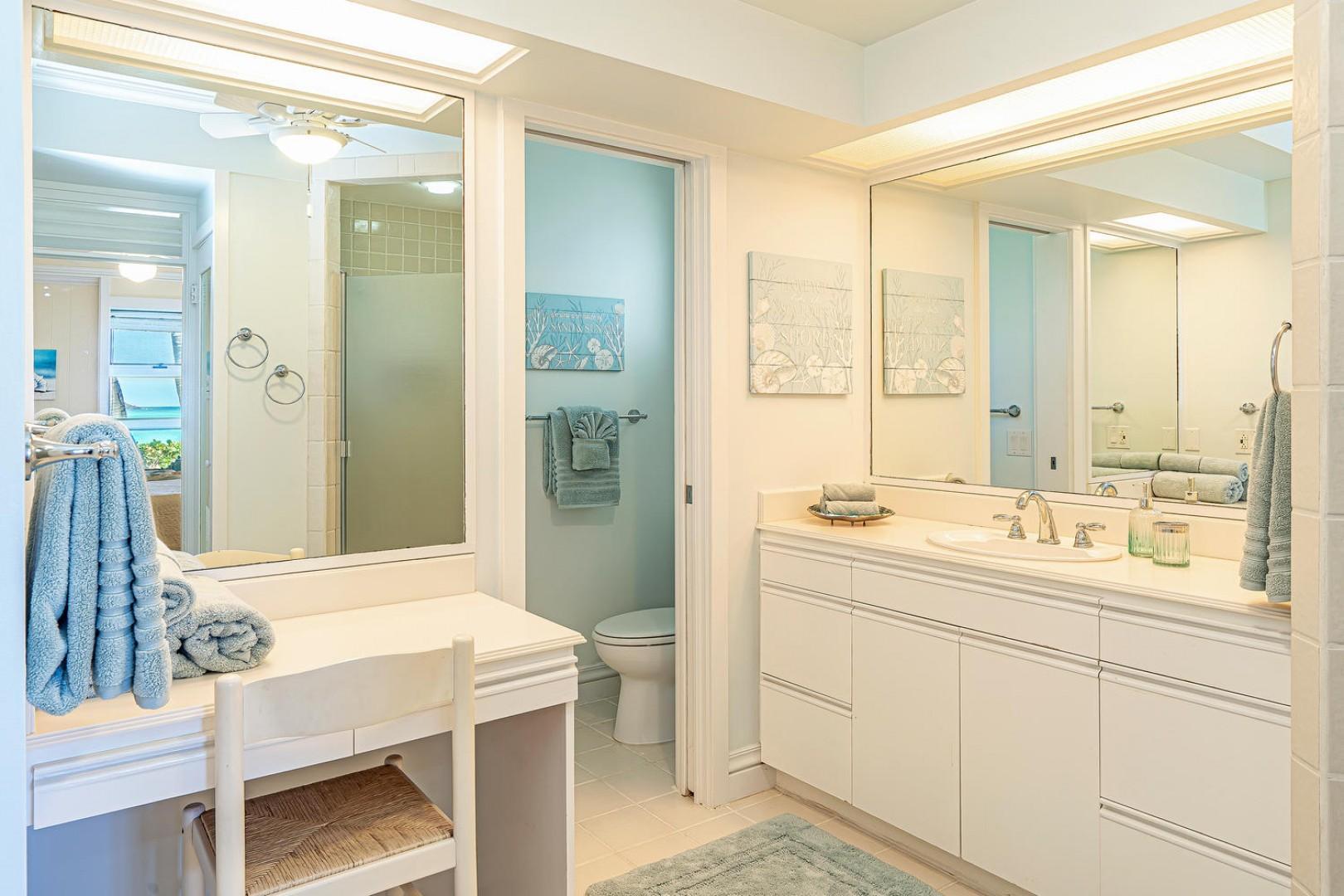 Lanikai Seashore Master Bathroom En Suite