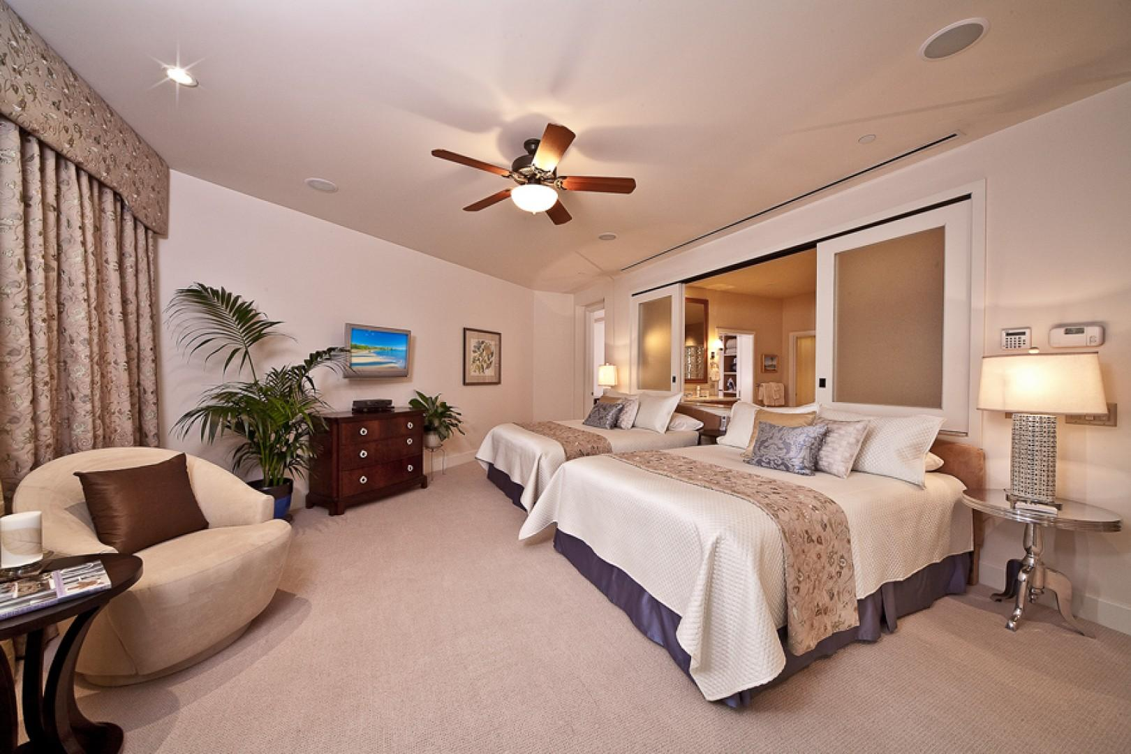 Ocean View Master Bedroom - Bedding changed to 1 King Bed