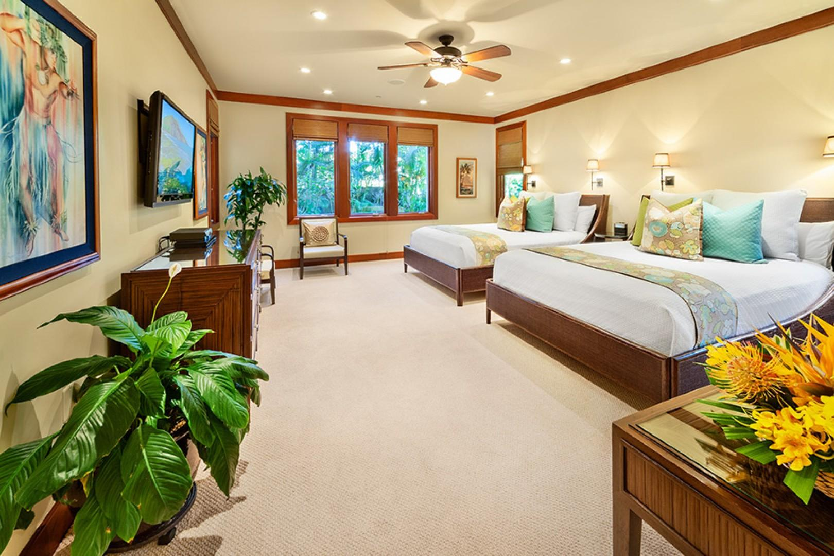 Second Master Bedroom with Two Queen Beds and private En-suite Bath - Coco Palms Pool Villa D101