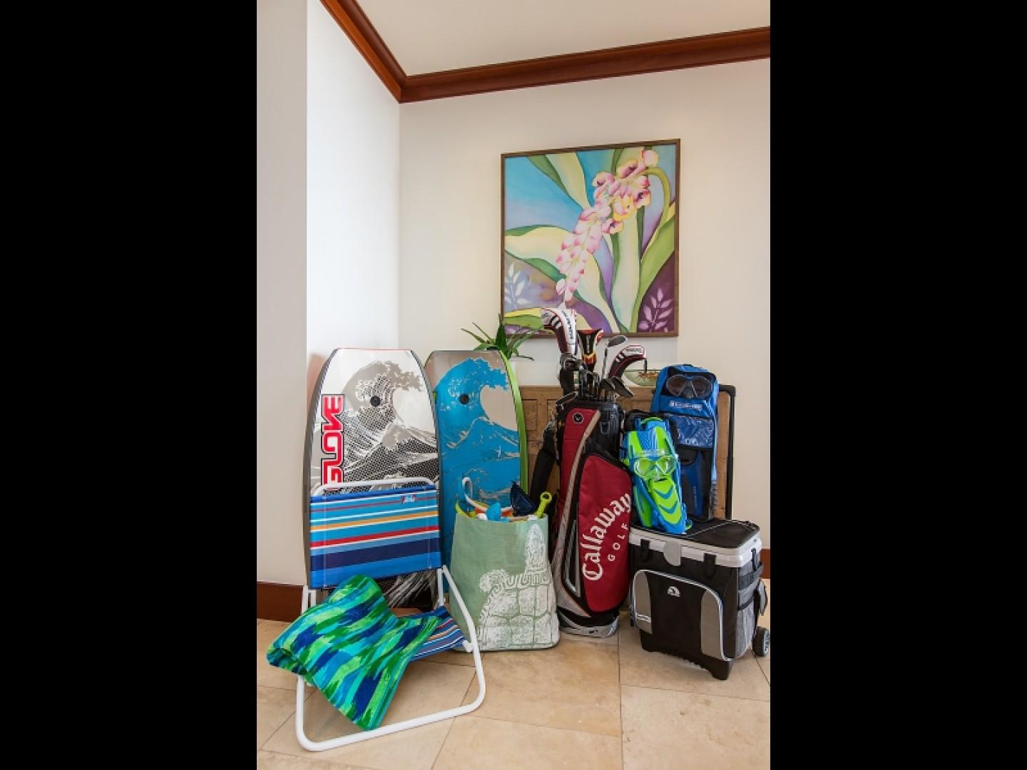 Amenities included boogie boards, beach chairs and towels, cooler, snorkel gear and golf clubs.