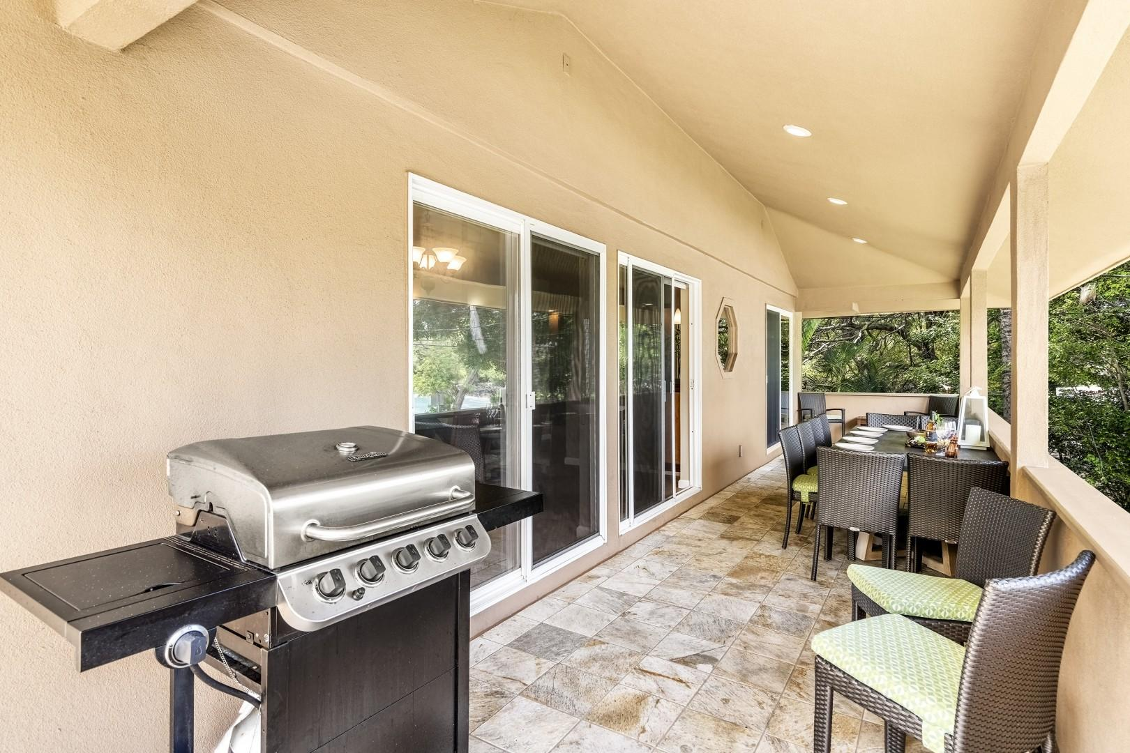 BBQ on the Lanai steps from the kitchen!