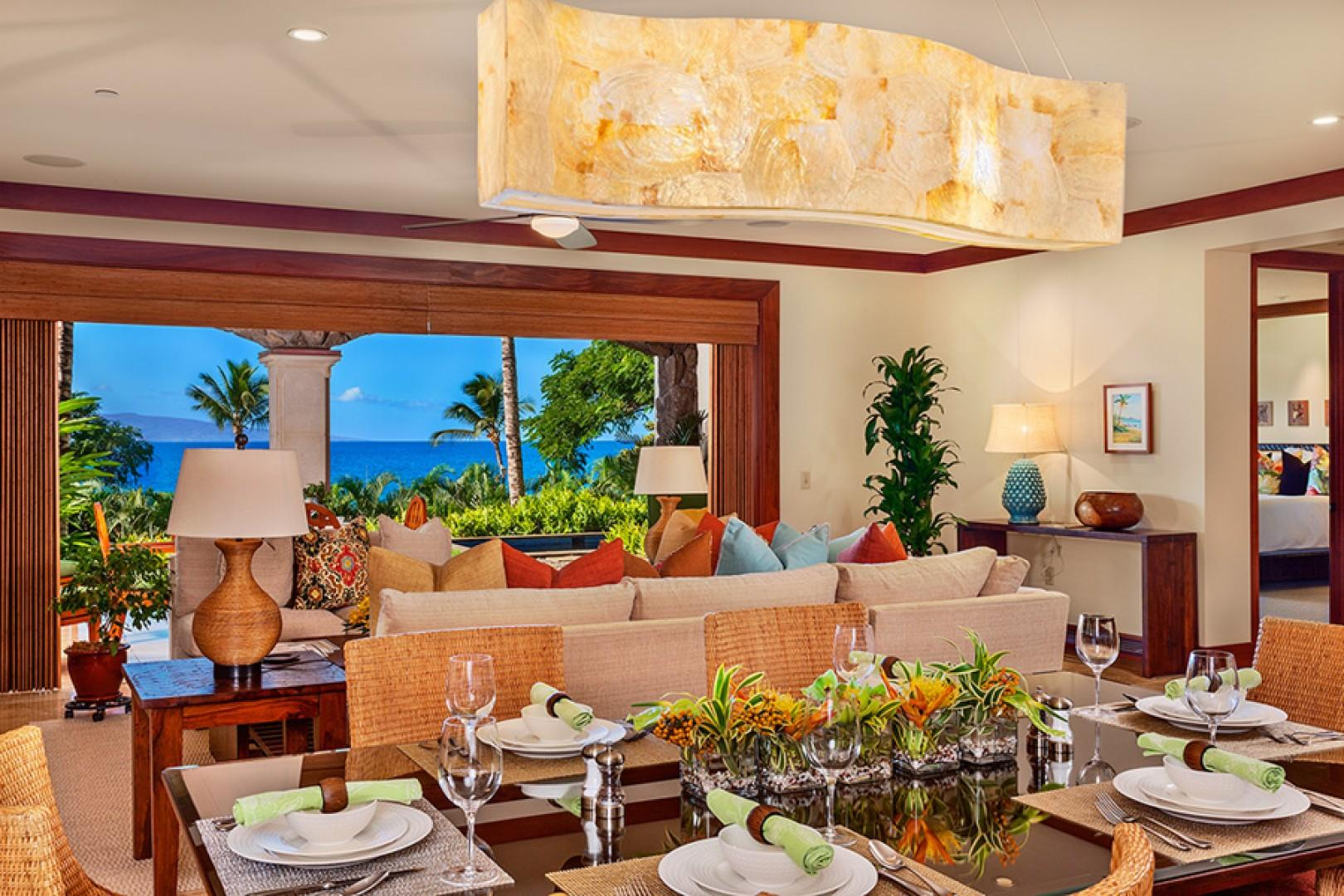 Coco Palms Pool Villa D101 - Indoor Dining for Six Guests and A Well-Equipped Kitchen