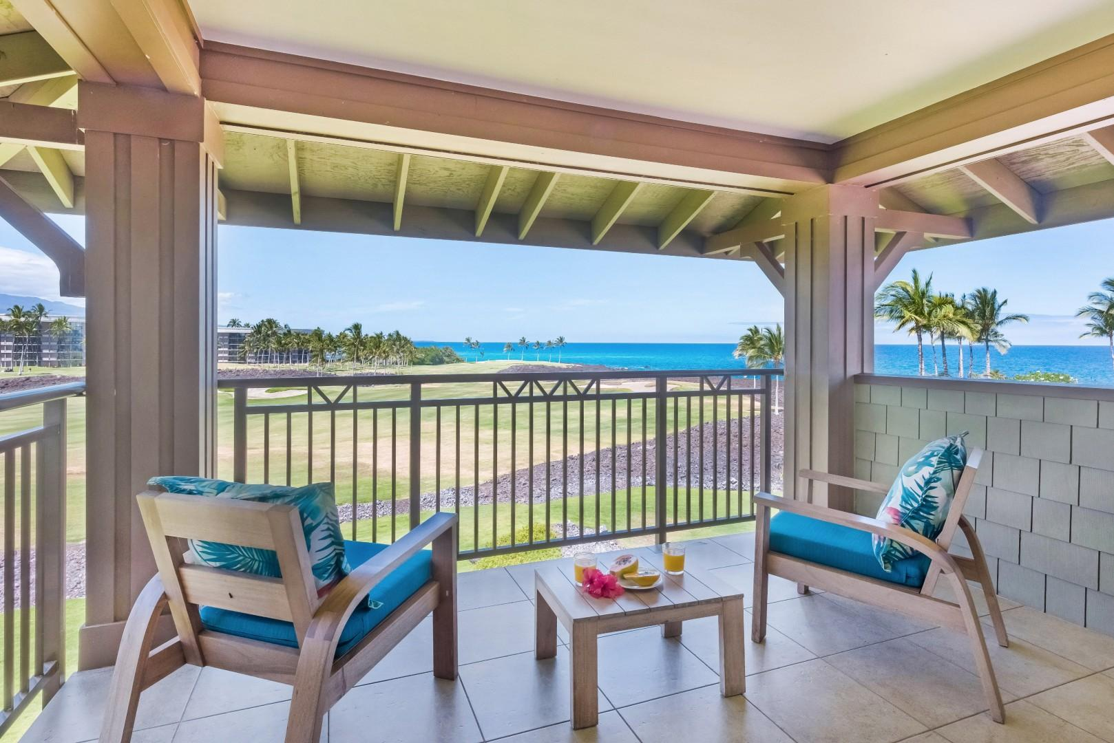 Take in the spectacular views and ocean breezes from the master bedroom lanai!