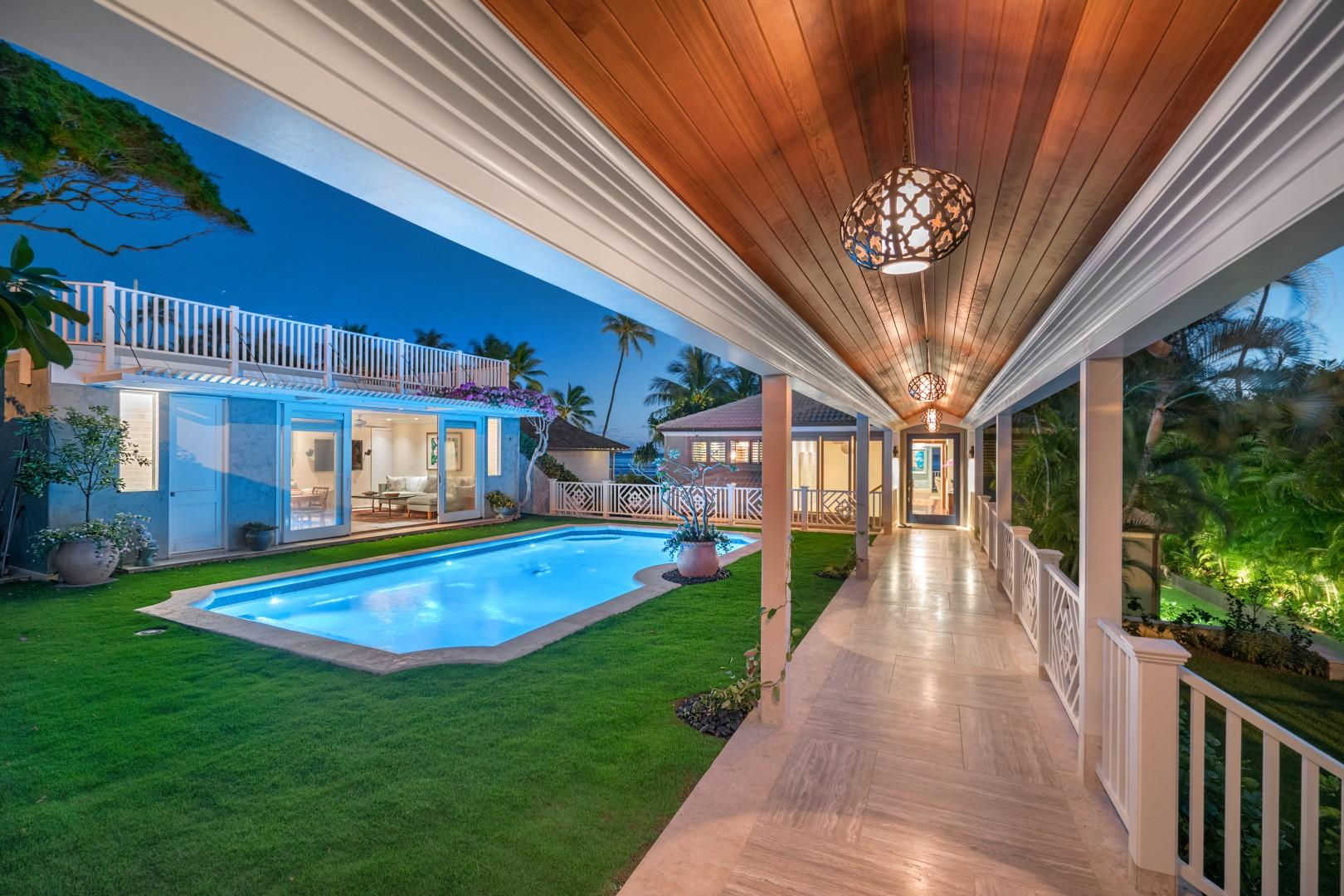 Beautiful pool courtyard area