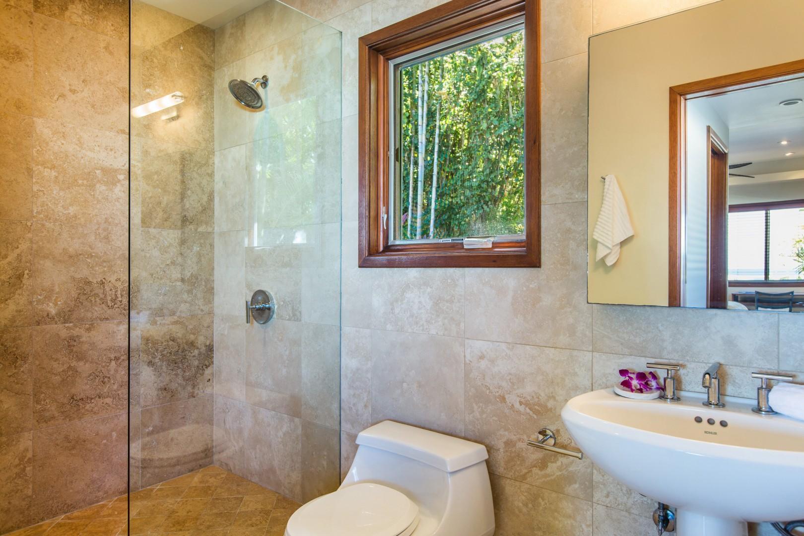 Twin bedroom en suite bathroom.