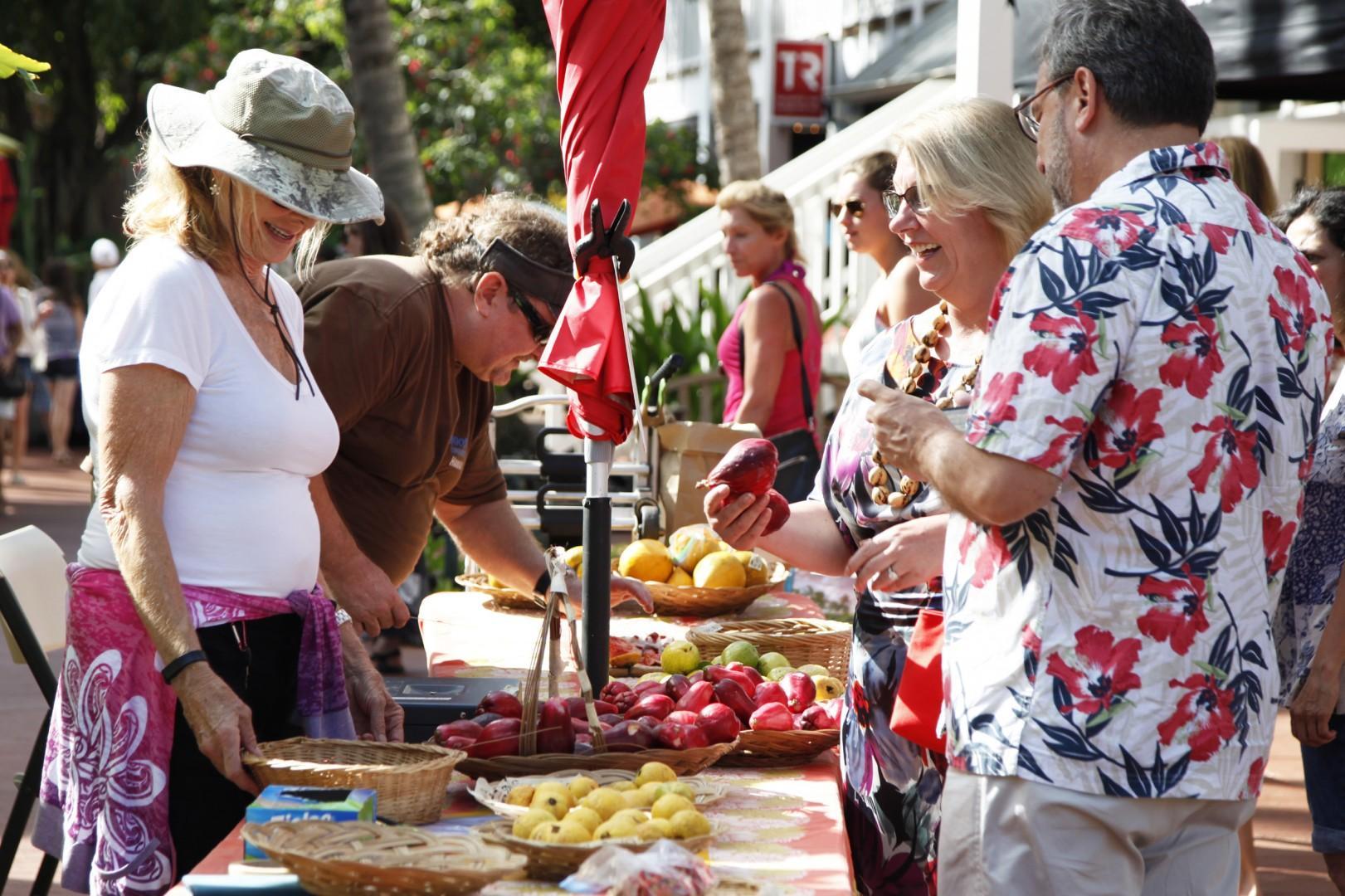 Kukui'ula farmers market