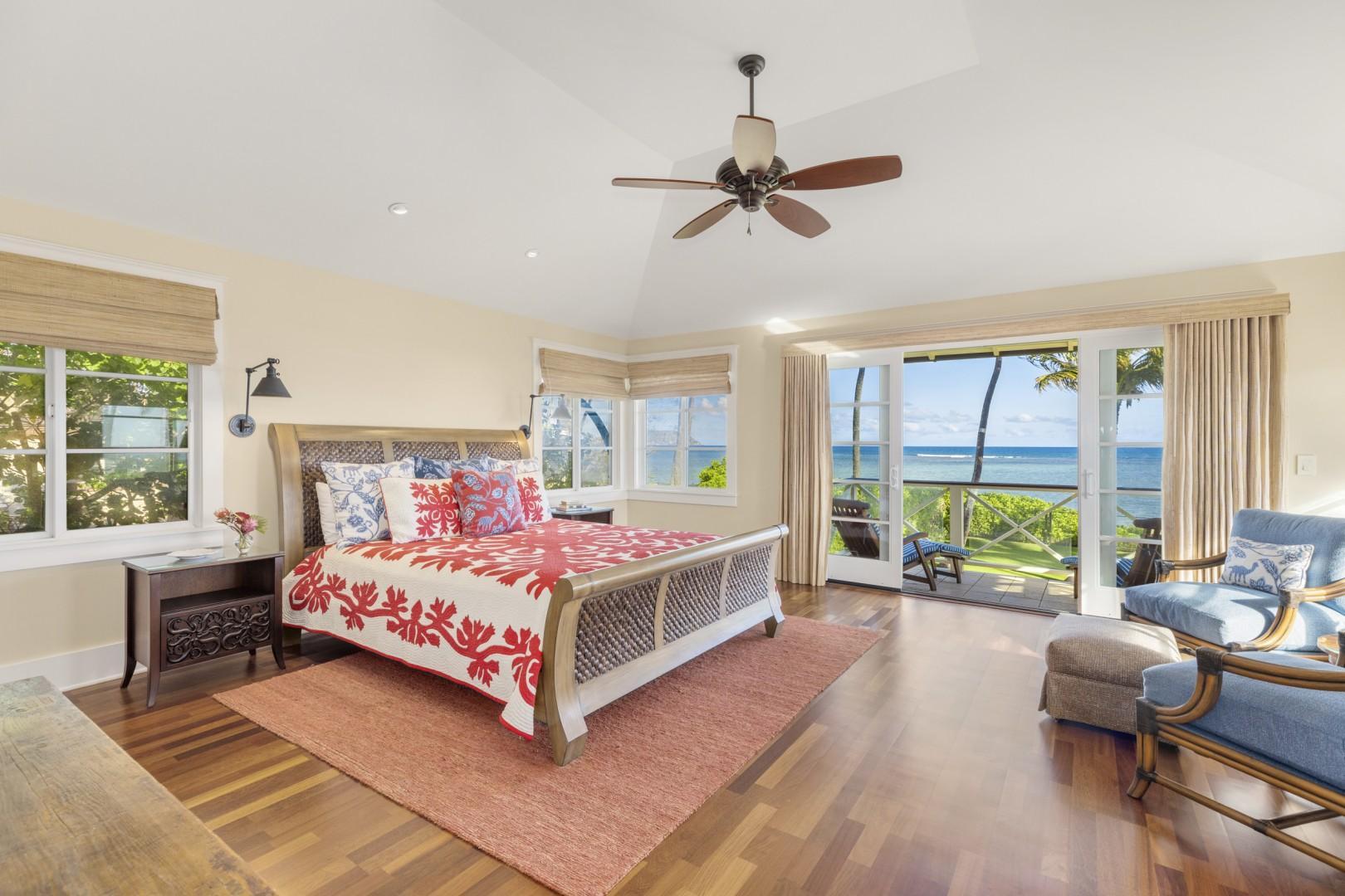 Upstairs master bedroom - Kapa Suite