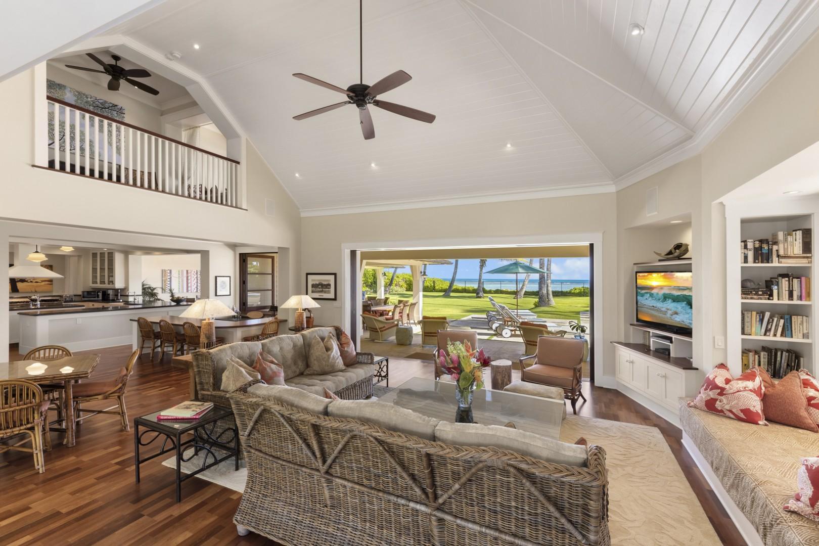 Living room area, looking makai (toward the ocean)