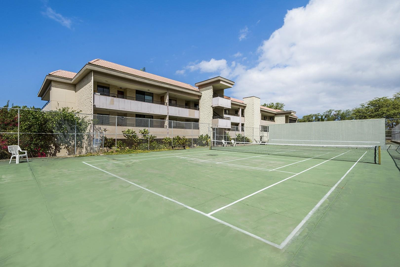 Complex tennis courts for your enjoyment!