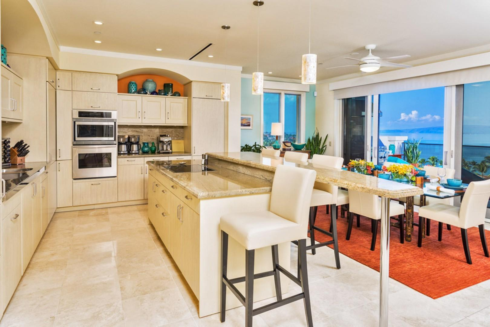 K507 Wailea Seashore Suite - Kitchen and Dining with Panoramic Ocean Views and Everything You May Need to Entertain and Dine