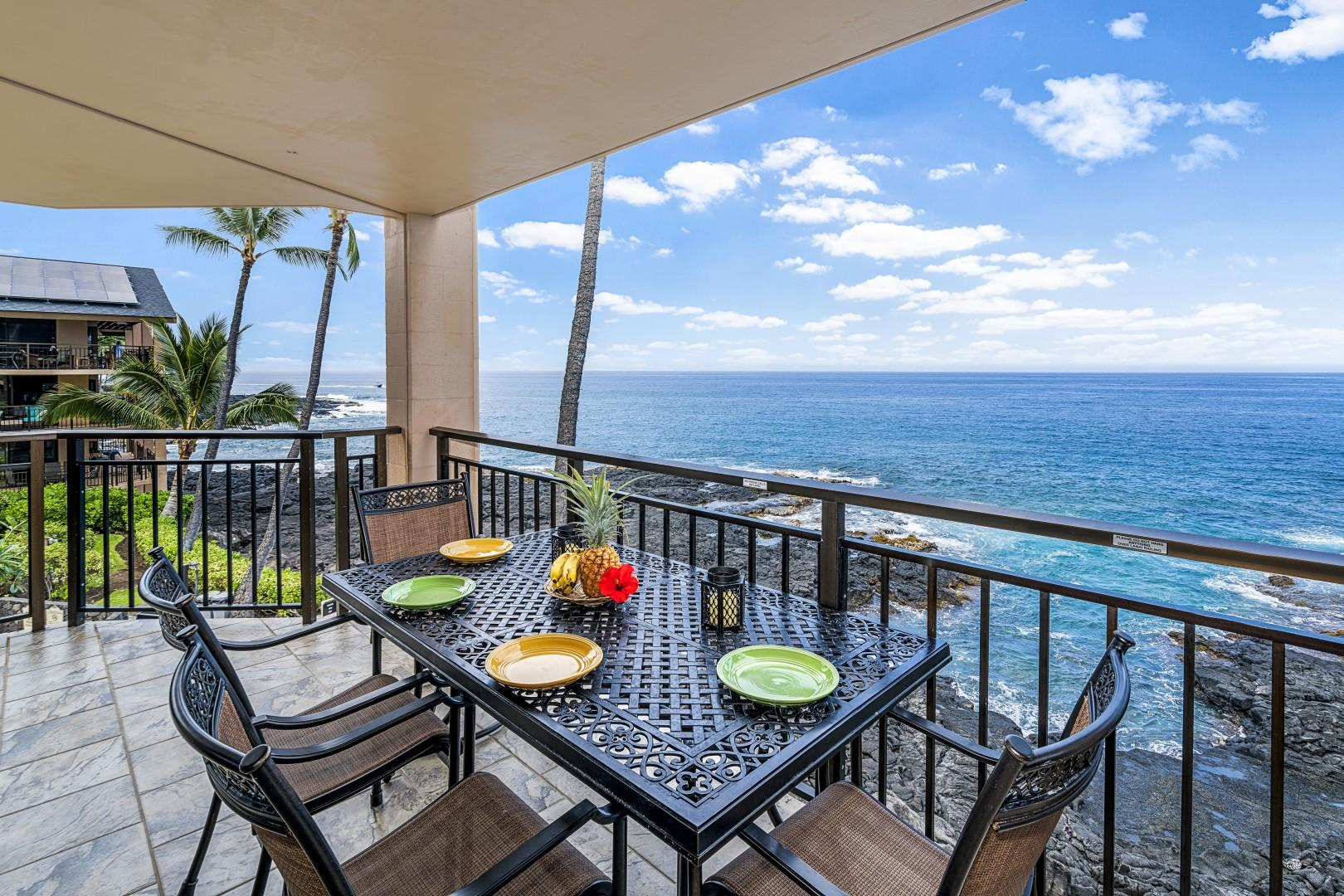 Breath taking ocean side dining for 4!