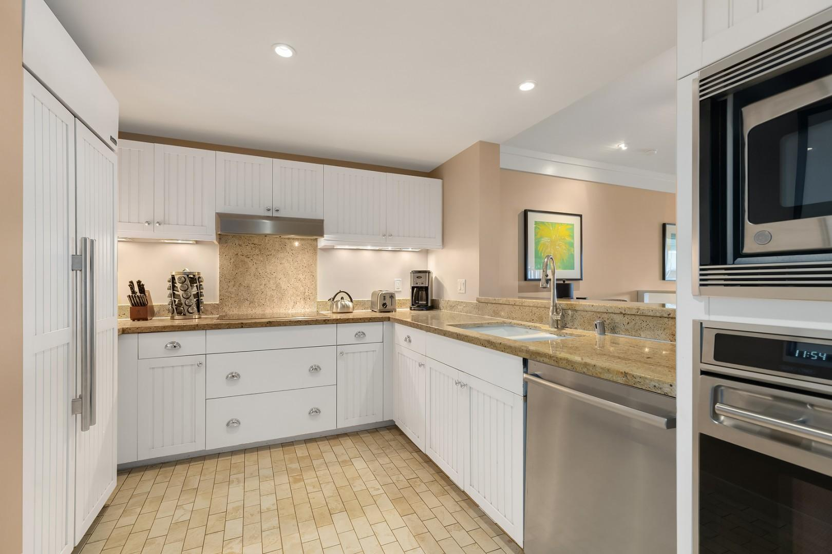 Large kitchen with upgraded appliances