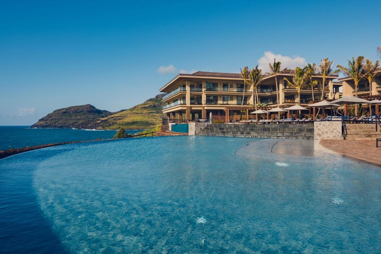 Spend your days oceanfront, in the two-tiered pool.