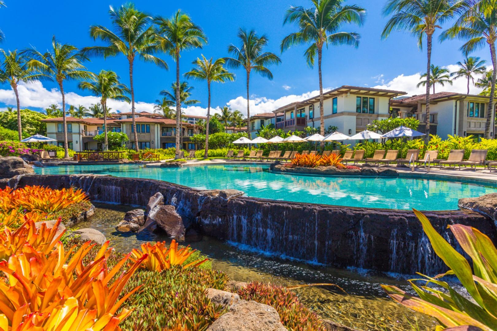 Adults-only beachfront infinity-edge heated swimming pool, private for guests of Wailea Beach Villas.