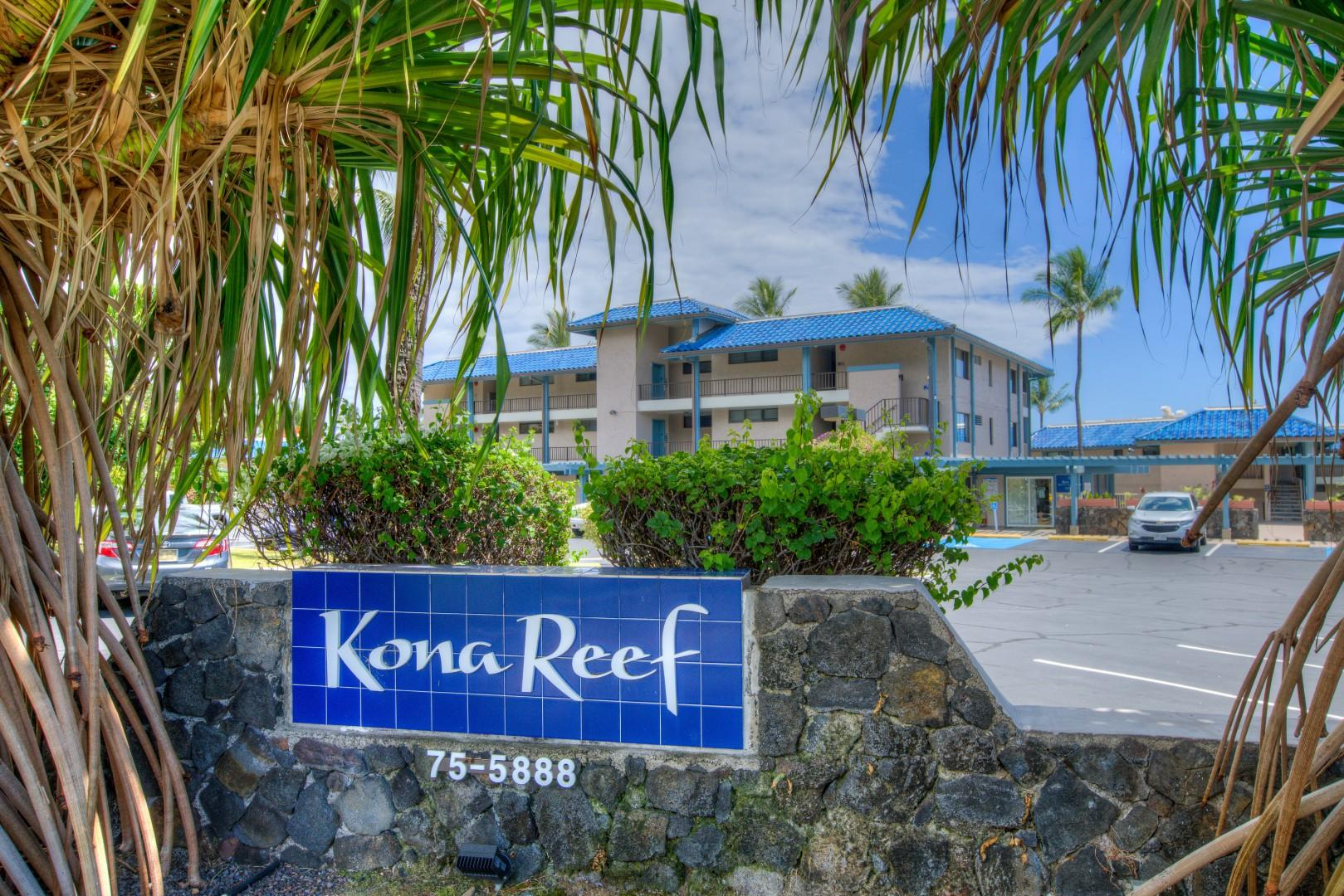 KONA REEF- Oceanfront Complex within Walking Distance of Town.