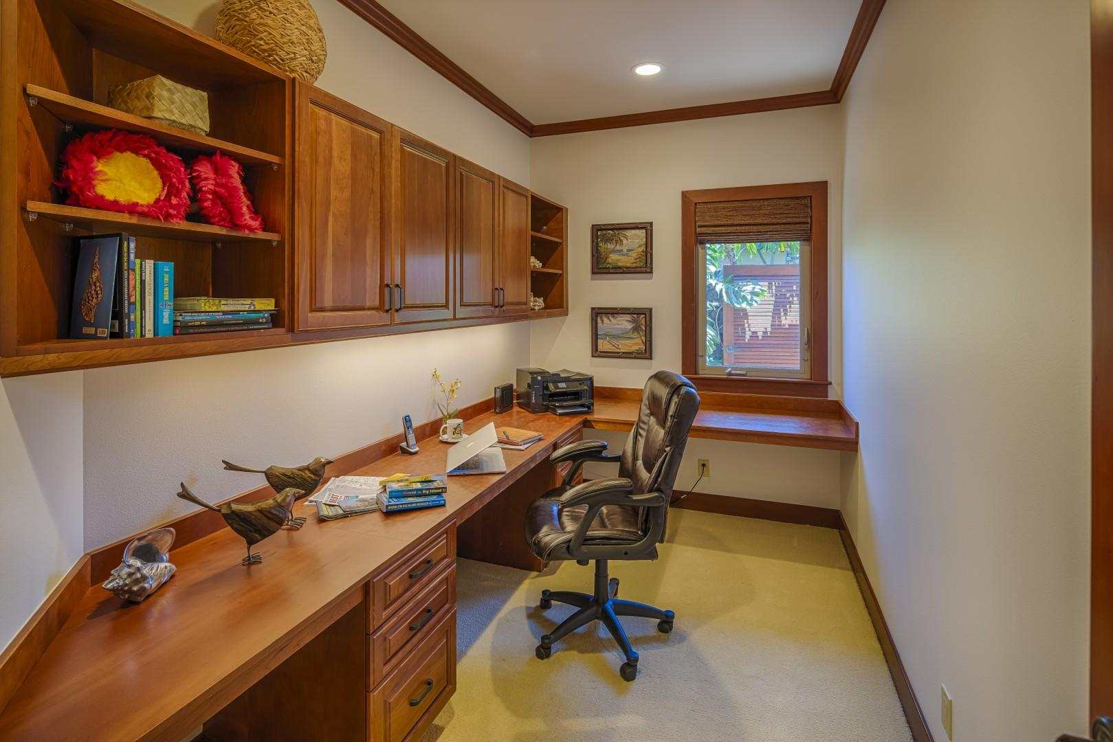 Office for catching up or planning your Big Island Excursions