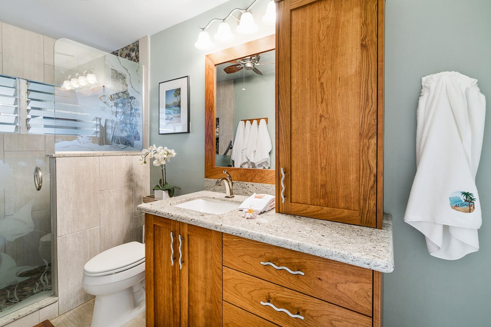 Spacious bathroom with washer/dryer
