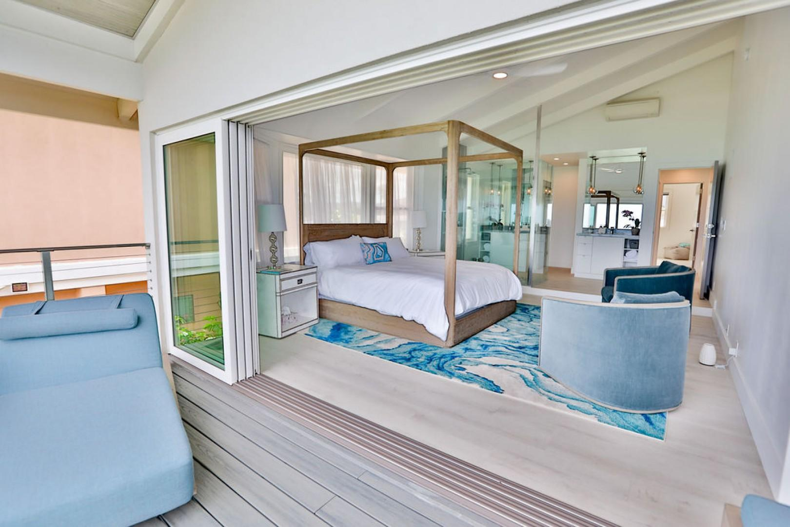 Master Bedroom with lanai acess