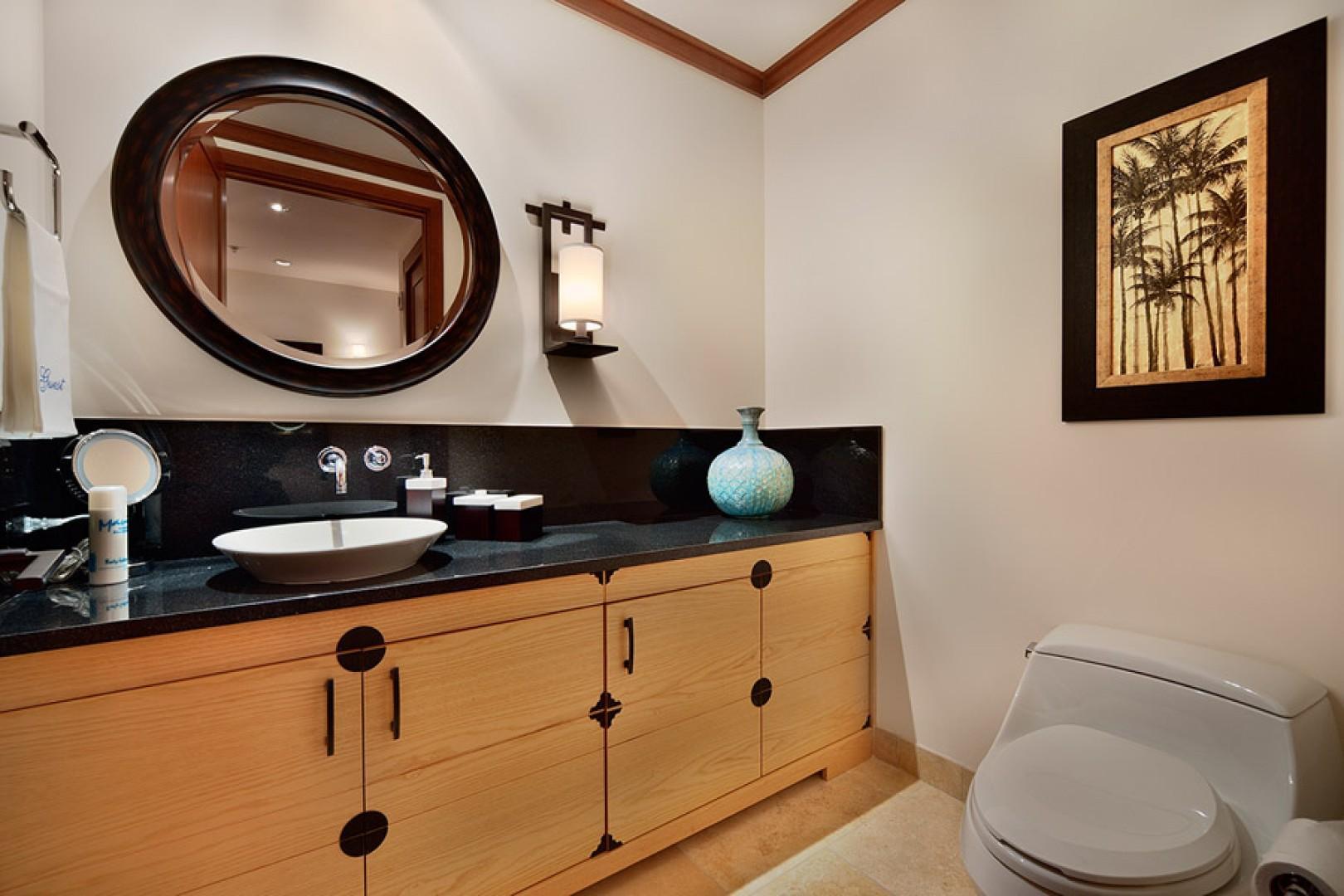 Sea Mist Villa 2403 - Guest Powder Room Located Between Bedrooms and Great Room