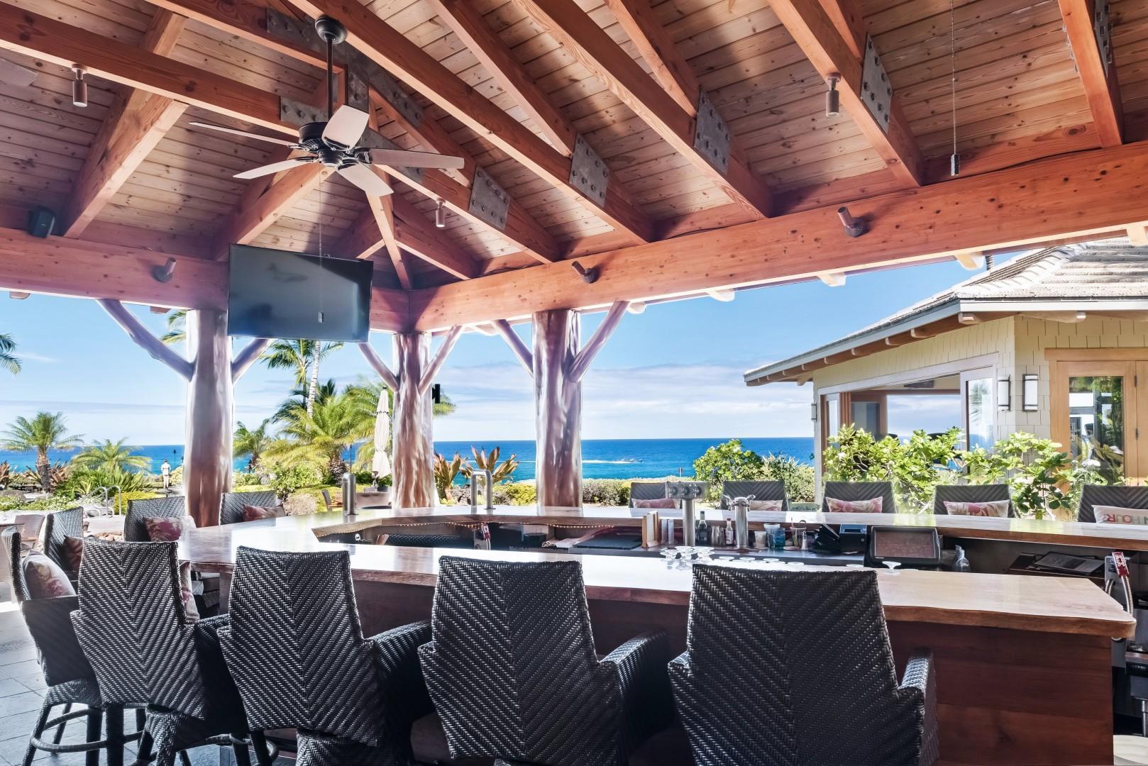 A bar with a view! Hali'i Kai Resort's private Ocean Club Bar & Grille