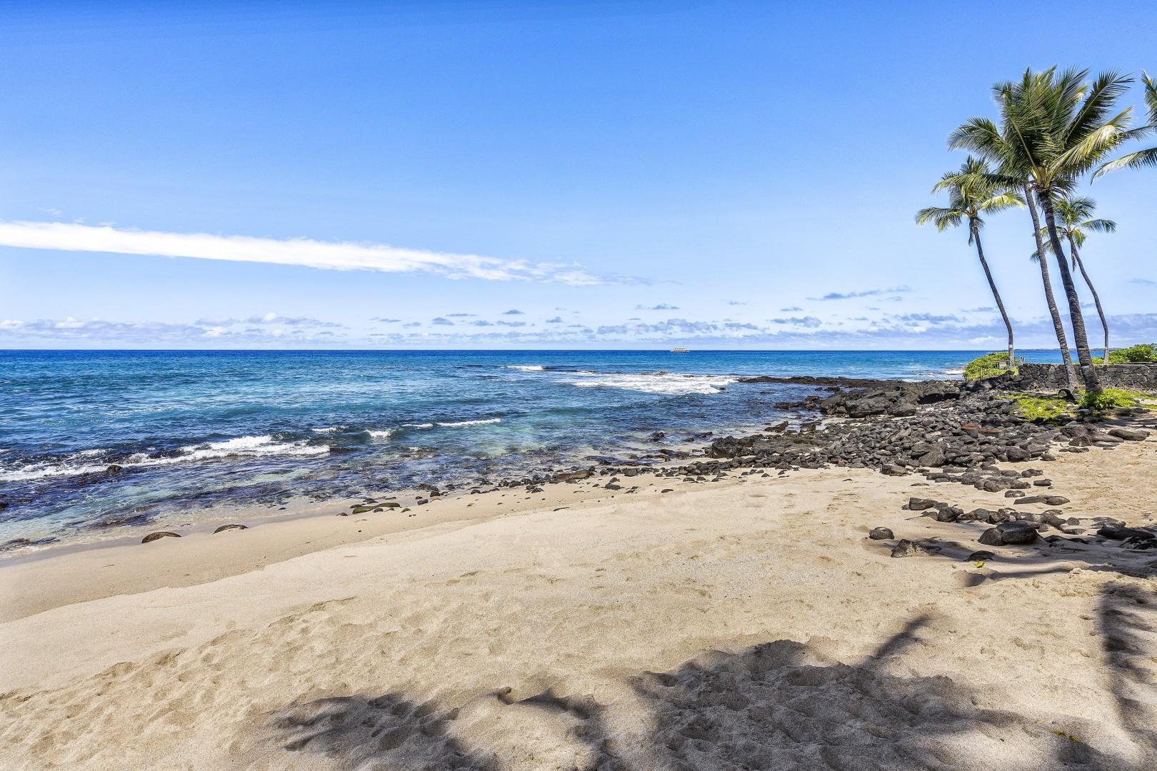 Honls beach is less than 5 minutes away!