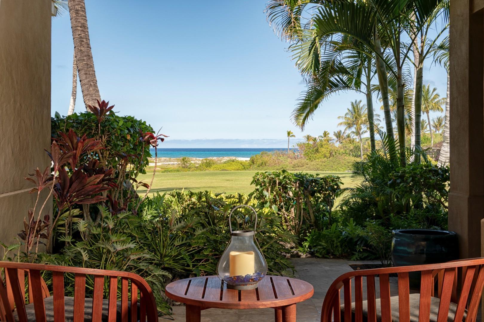 Master lanai w/ocean view & tropical foliage
