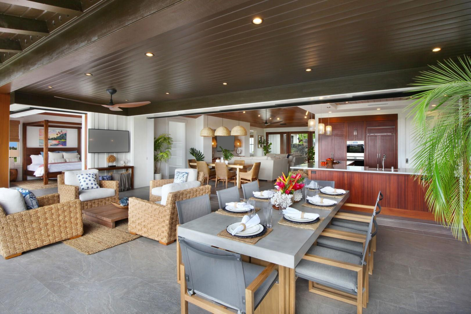 Lanai outdoor dining and living space