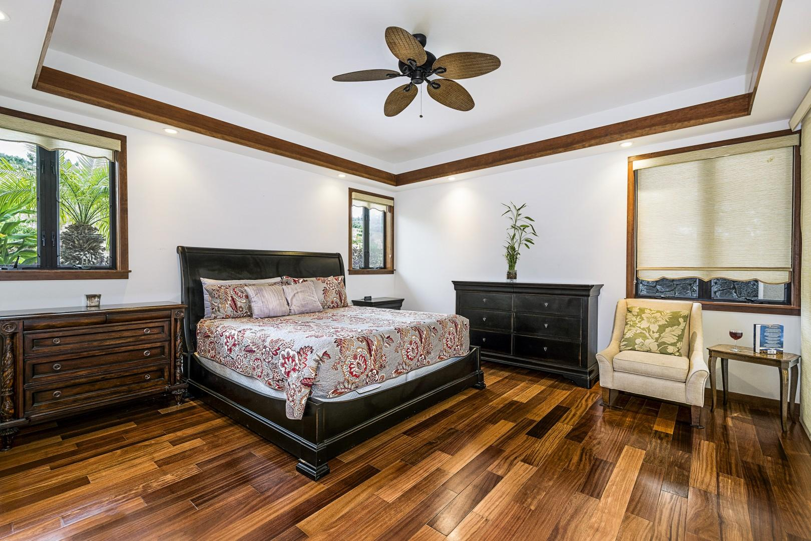 Master bedroom equipped with King bed and Lanai access!