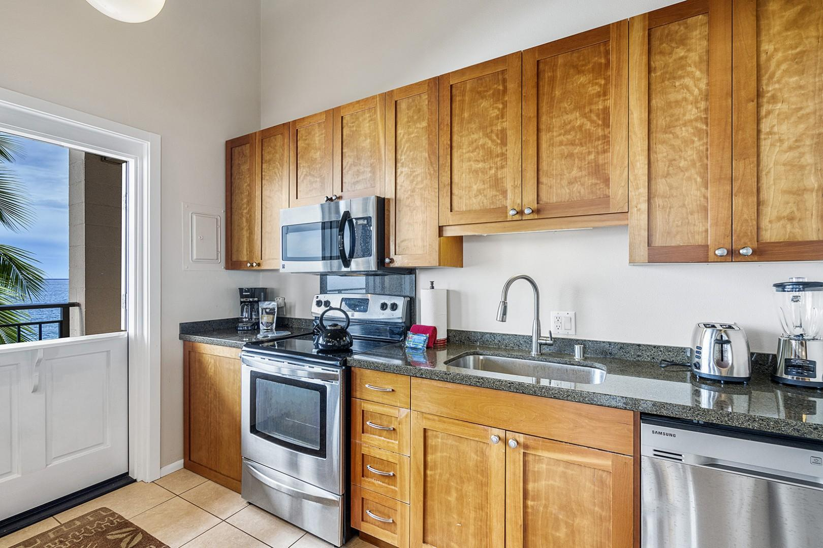 Fully equipped kitchen with all the essentials you could need!