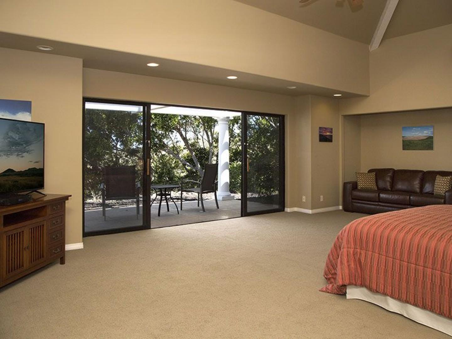 North Master has much privacy and it's own lanai