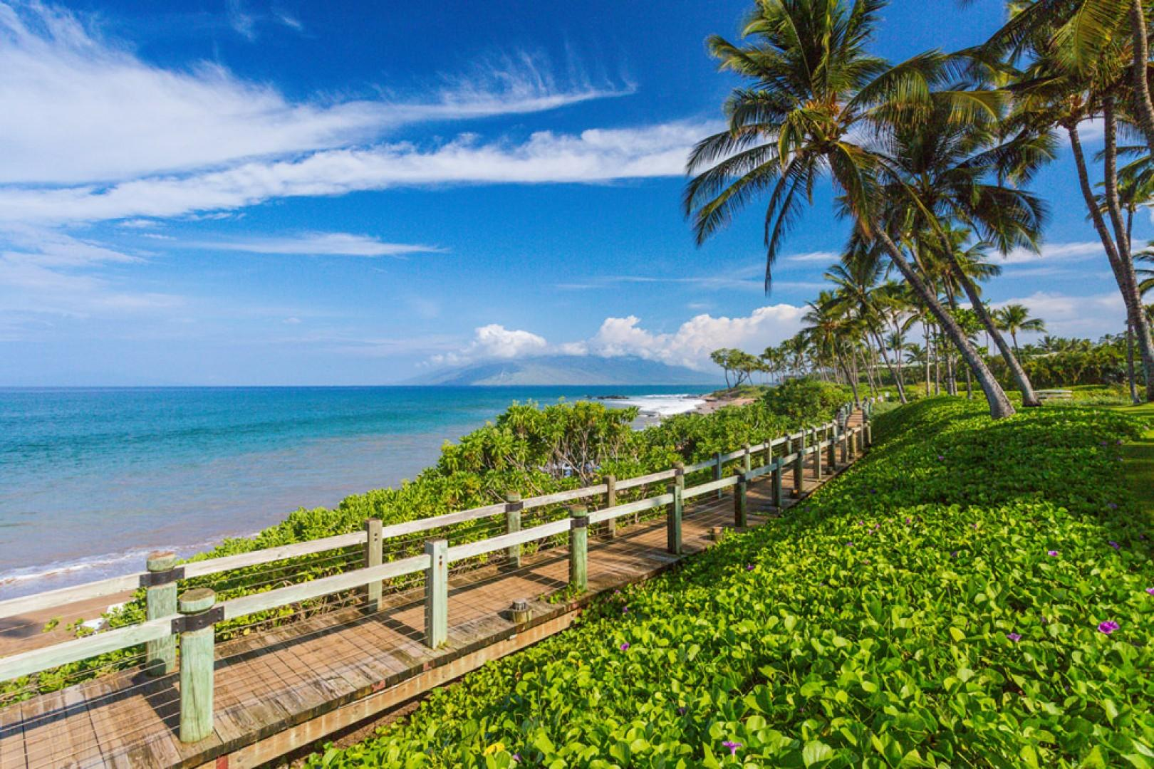 Enjoy the Famous Wailea Resort Beachside Walkway!