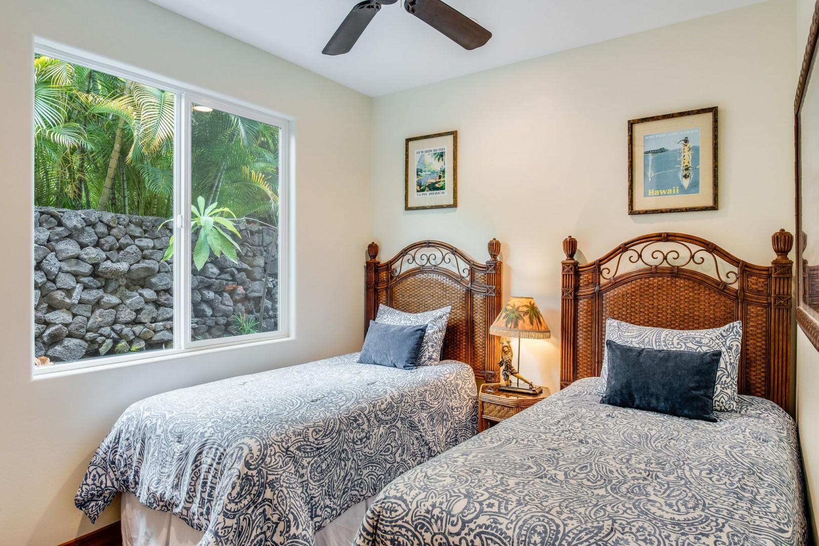 Hale Moku guest bedroom with 2 Twin beds