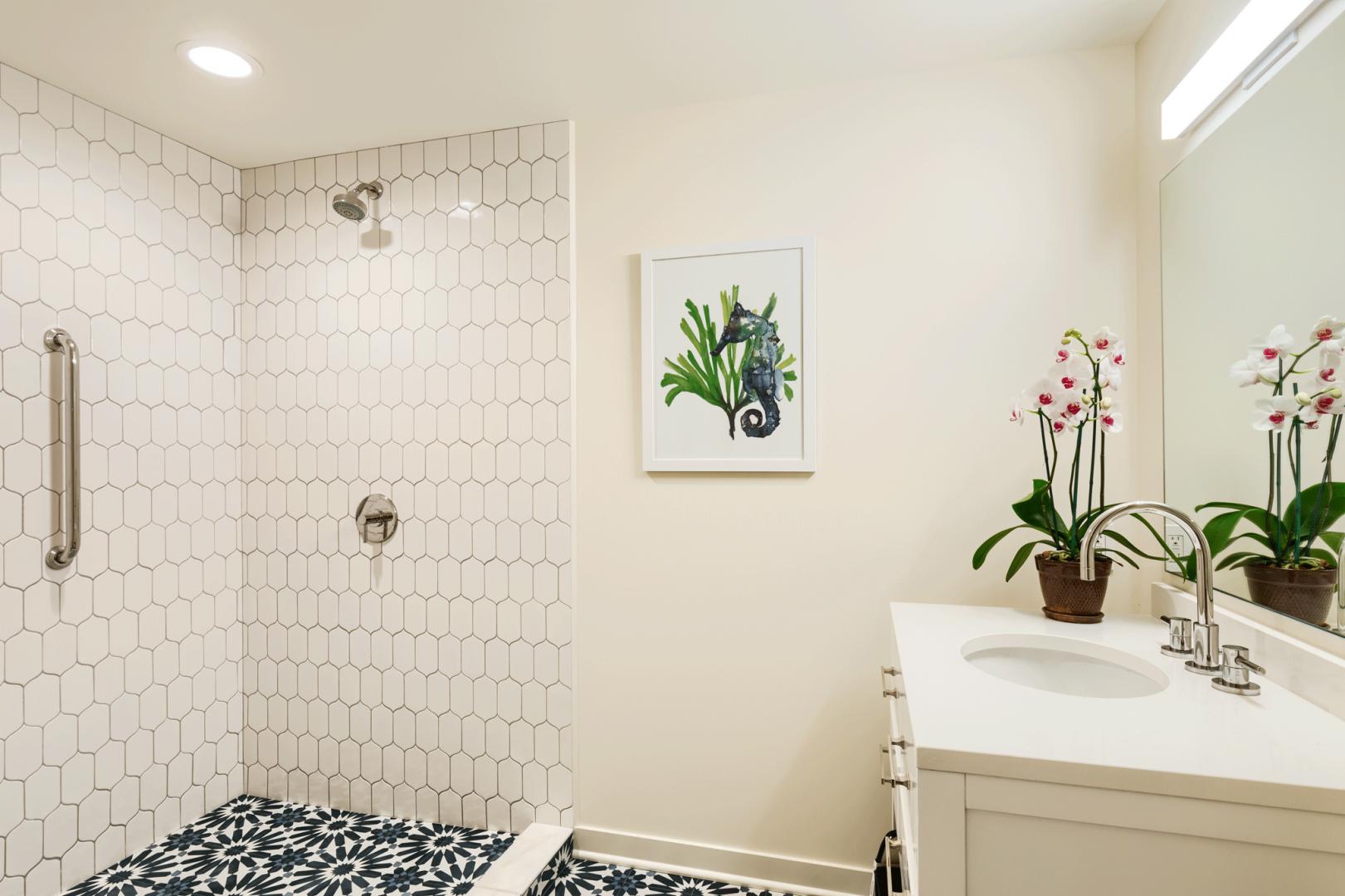 Oceanfront suite bathroom.