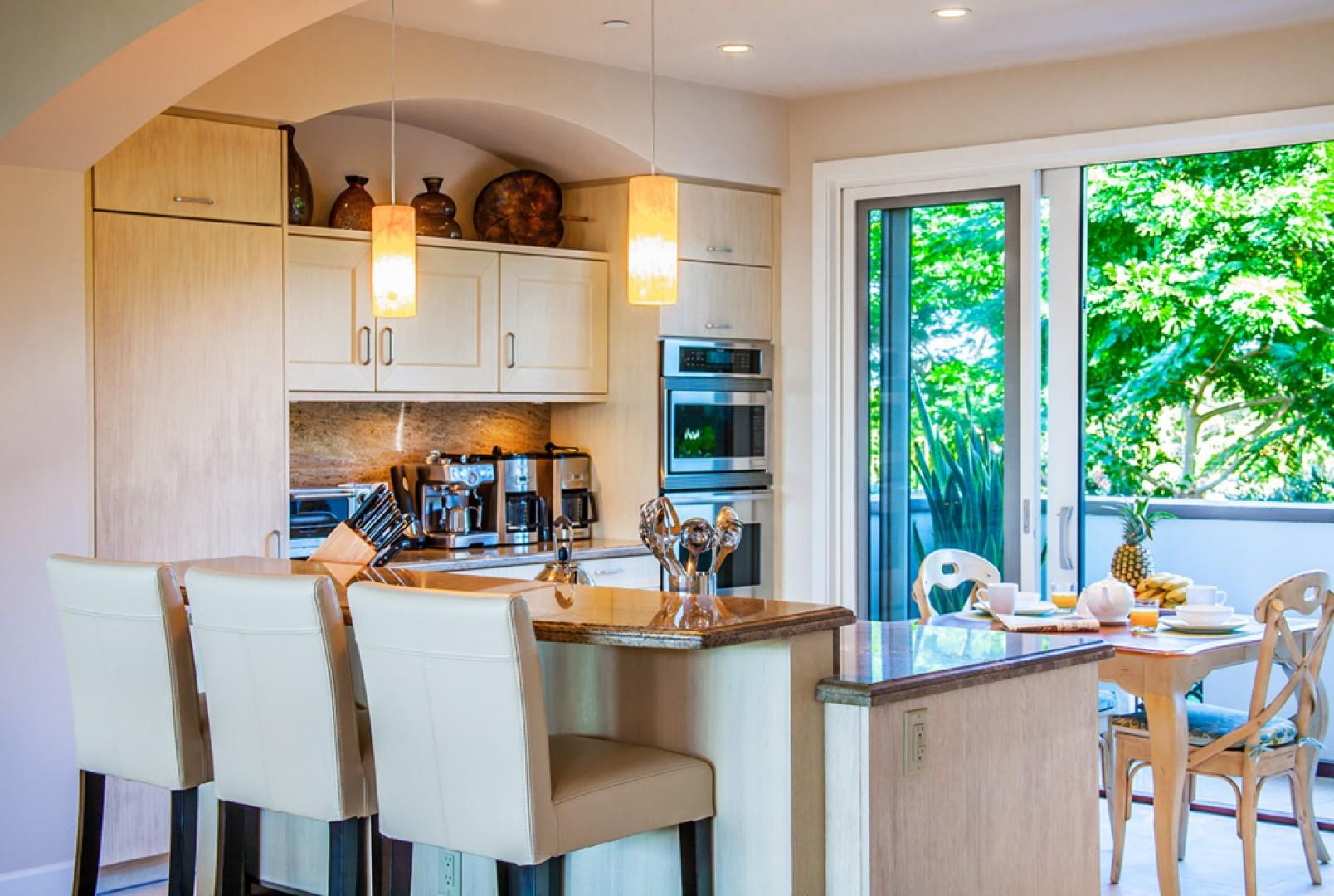 Blue Horizons K308 - Fully Equipped Gourmet Kitchen with Garden View, Espresso Maker - Many Deluxe Details
