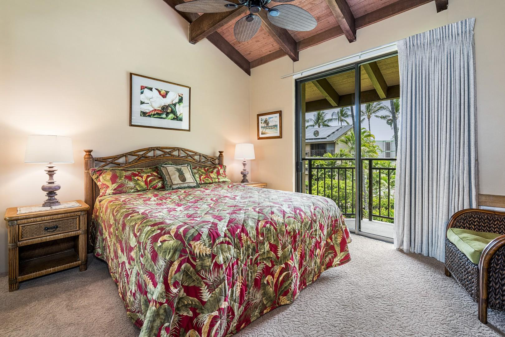 Spacious Master bedroom with King bed and A/C!