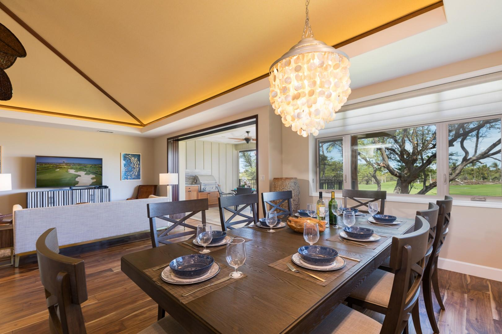 Dining room overlooking the golf course