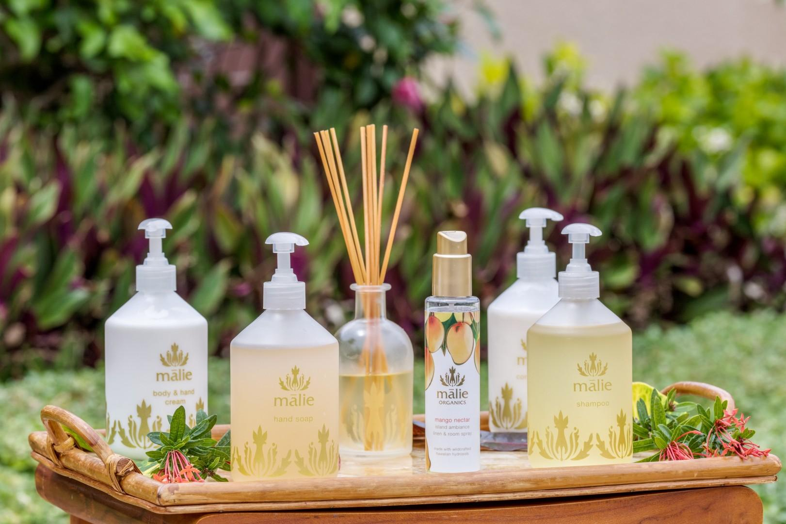 Upscale Malie Organics bath products add to the overall opulence.