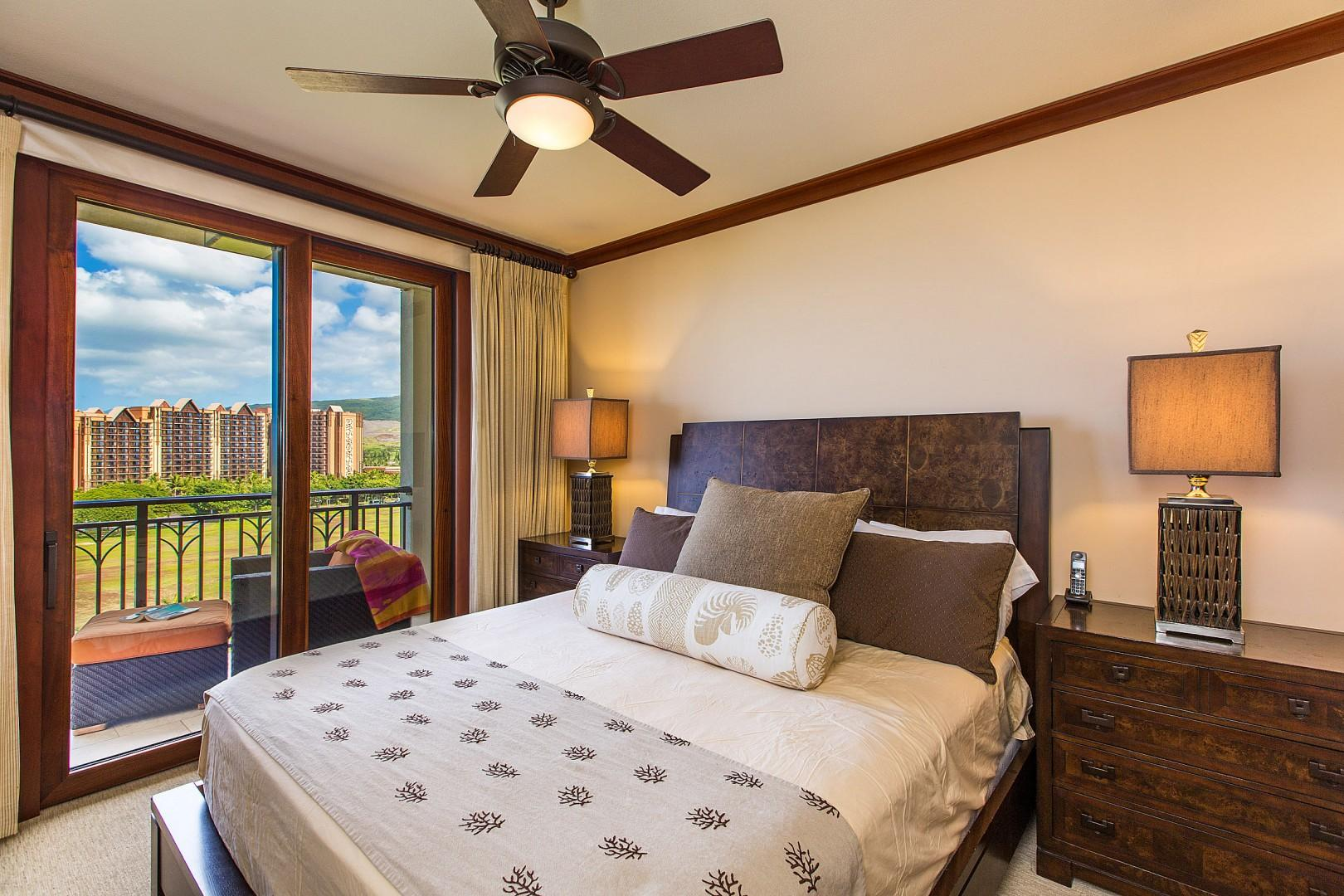 Master bedroom with king bed and private entrance to lanai