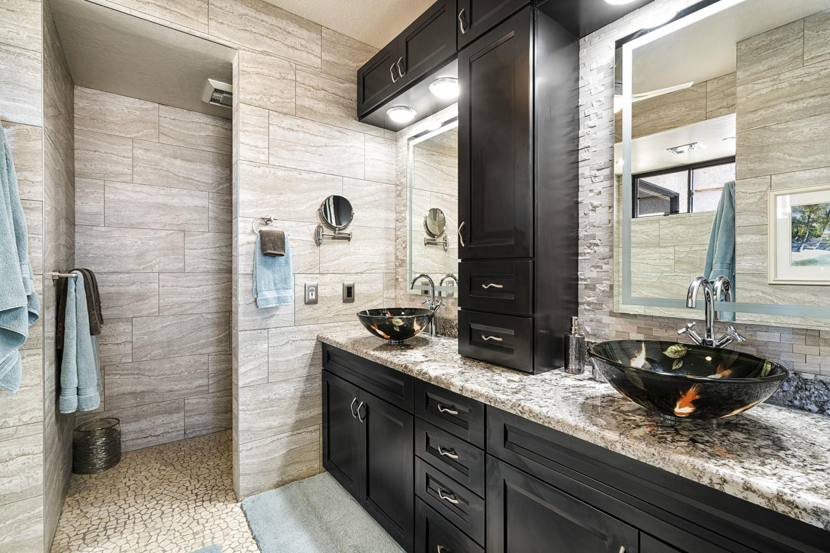 Gorgeous Master bathroom fit for a King or Queen!