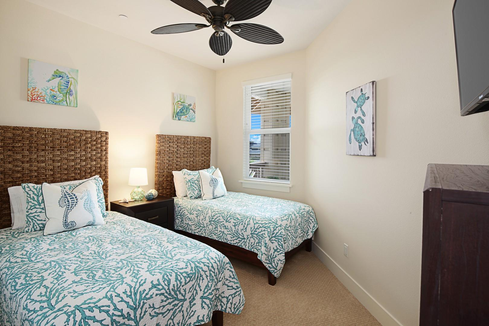 Twin bedroom with option to convert twins to king bed
