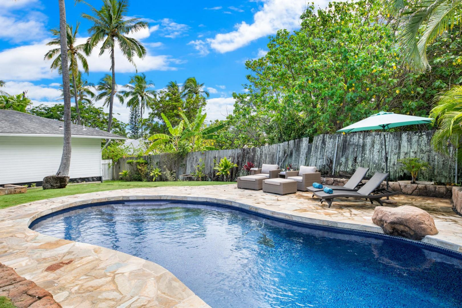 Relax and play at Lanikai Cottage!