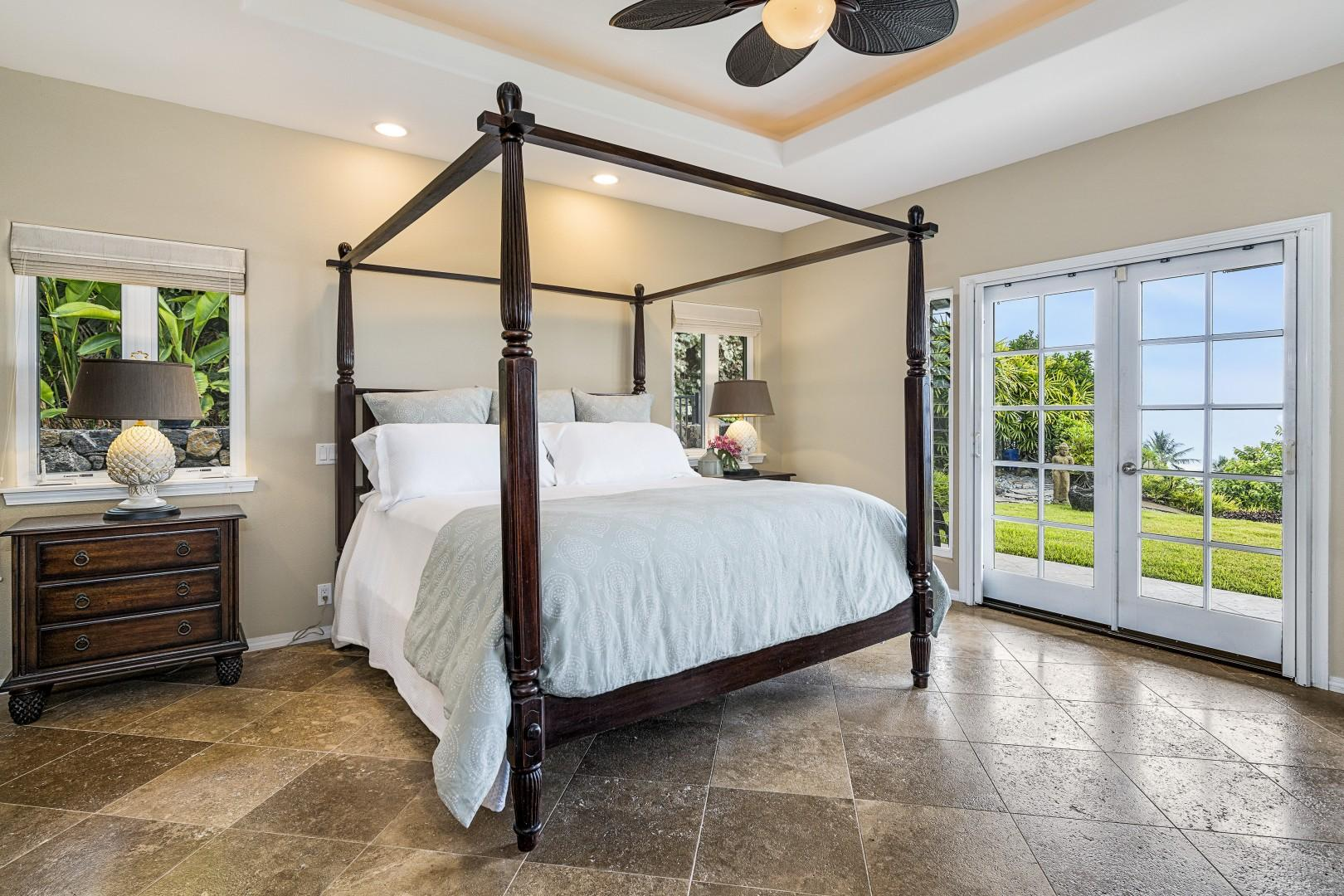 Gorgeous Master bedroom with King bed and Lanai Access (A/C equipped)