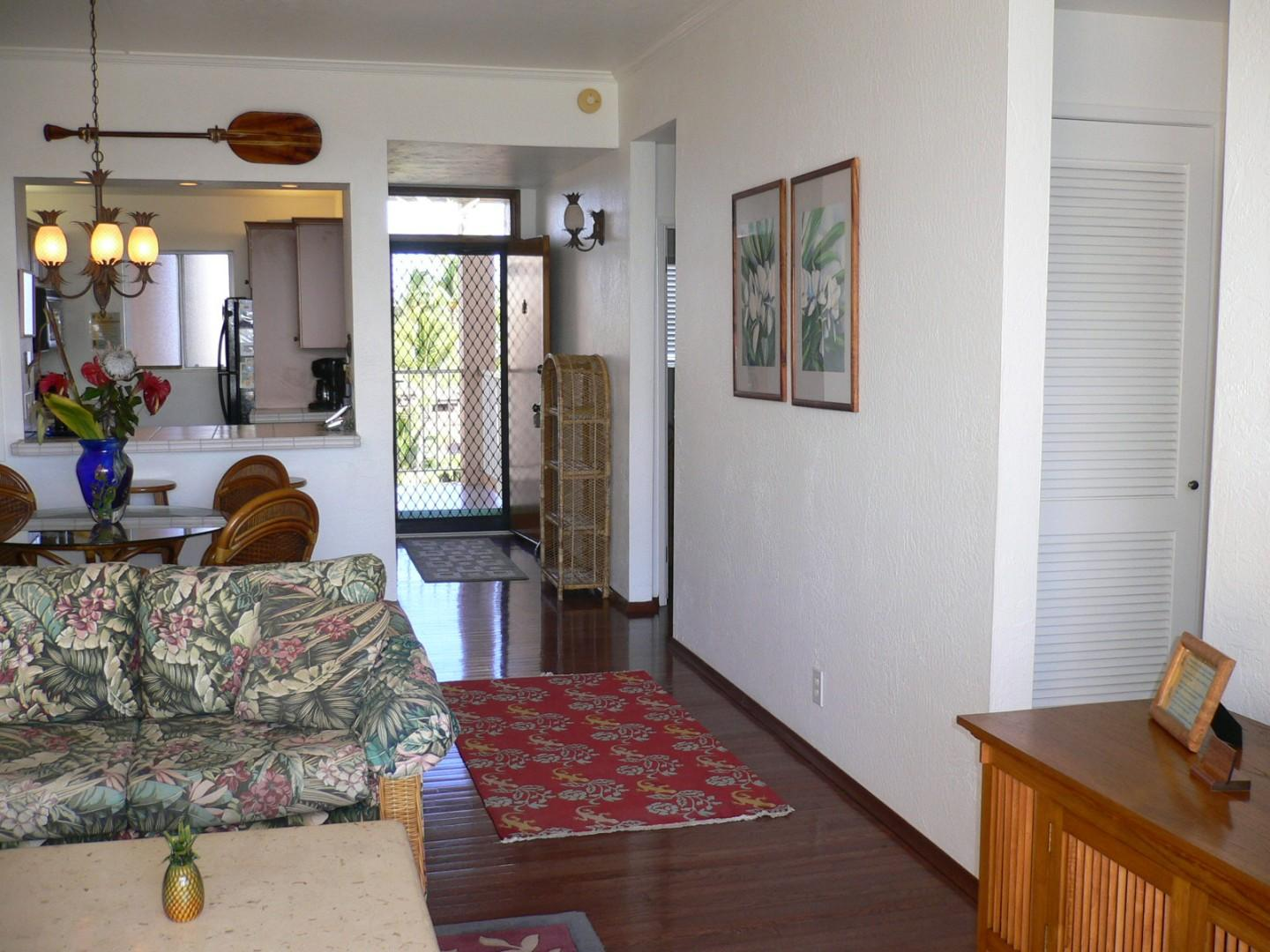 Living space, looking toward the kitchen.