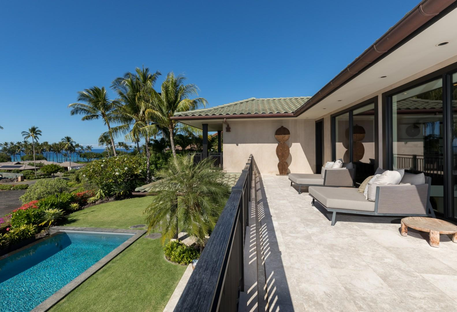 The upper lanai, with a pool view