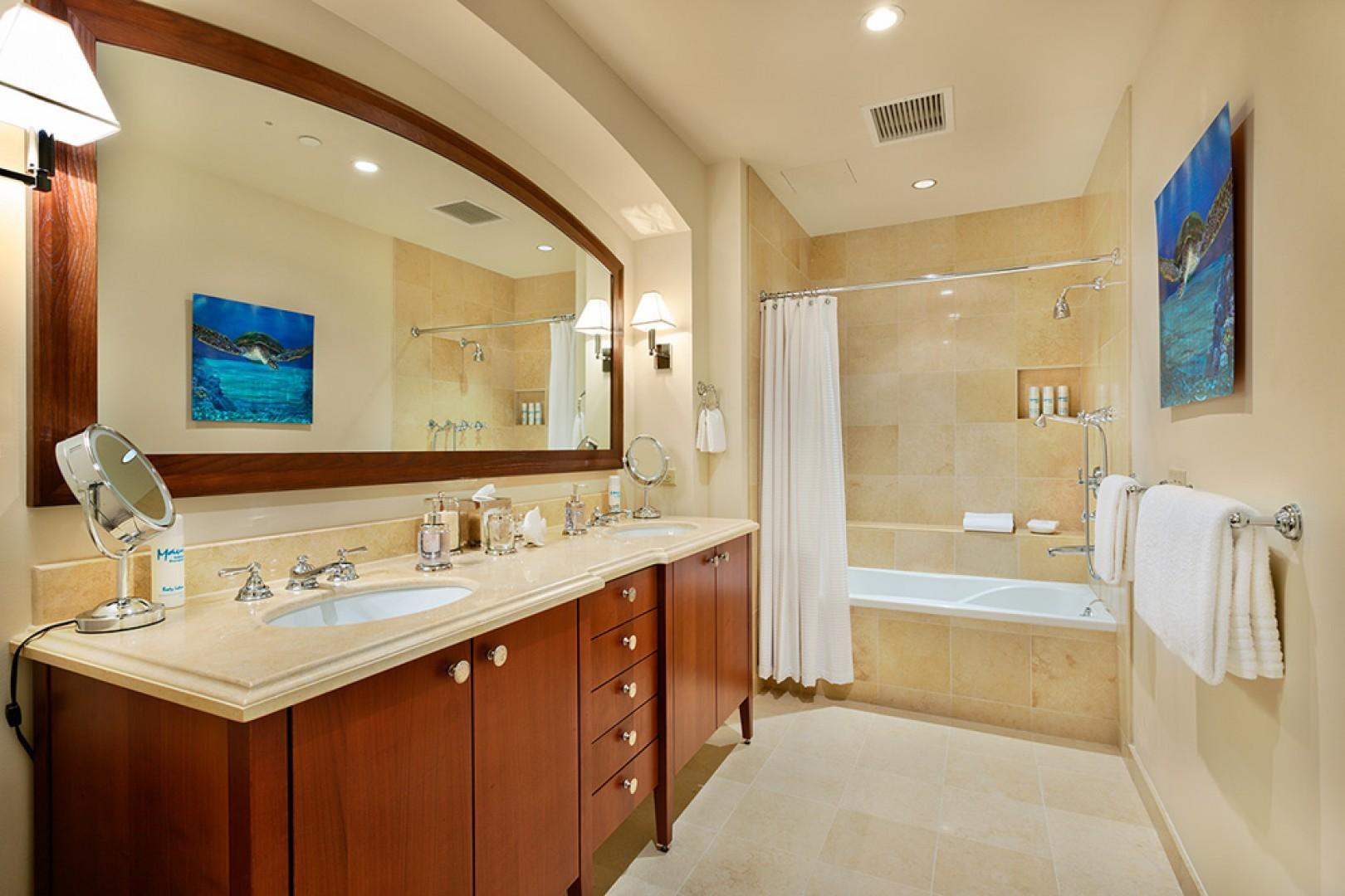J405 Sea Breeze Suite Second Bedroom Private Bath