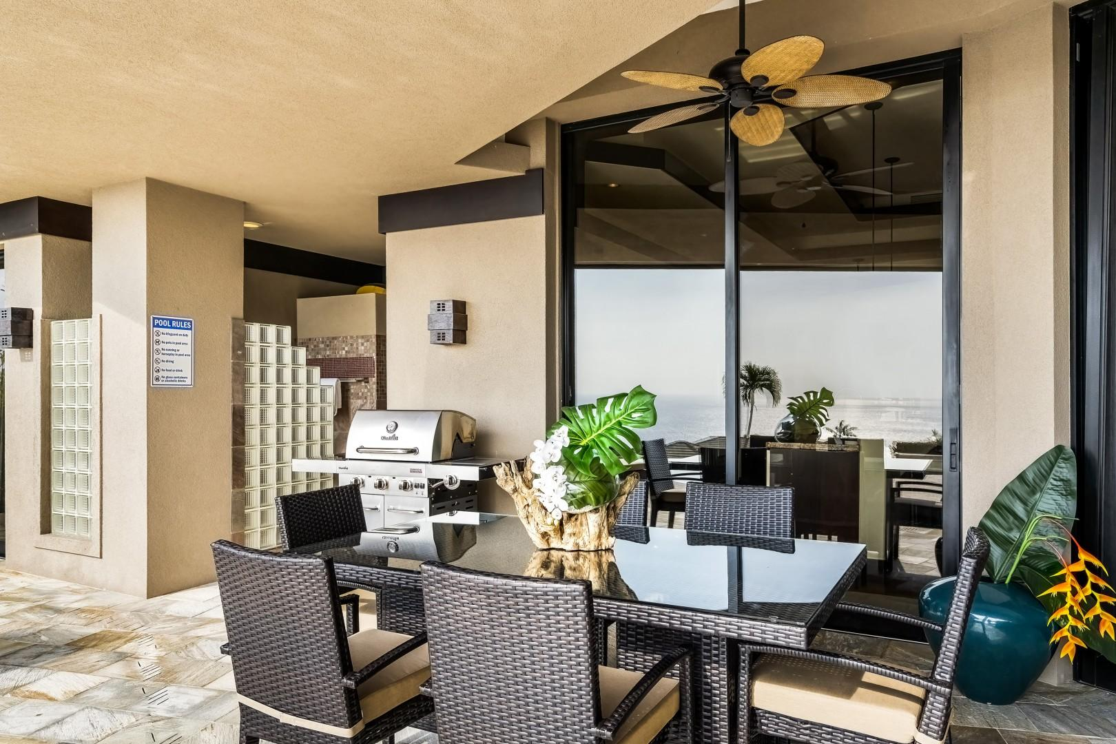 Outdoor dining for 6 steps from the kitchen