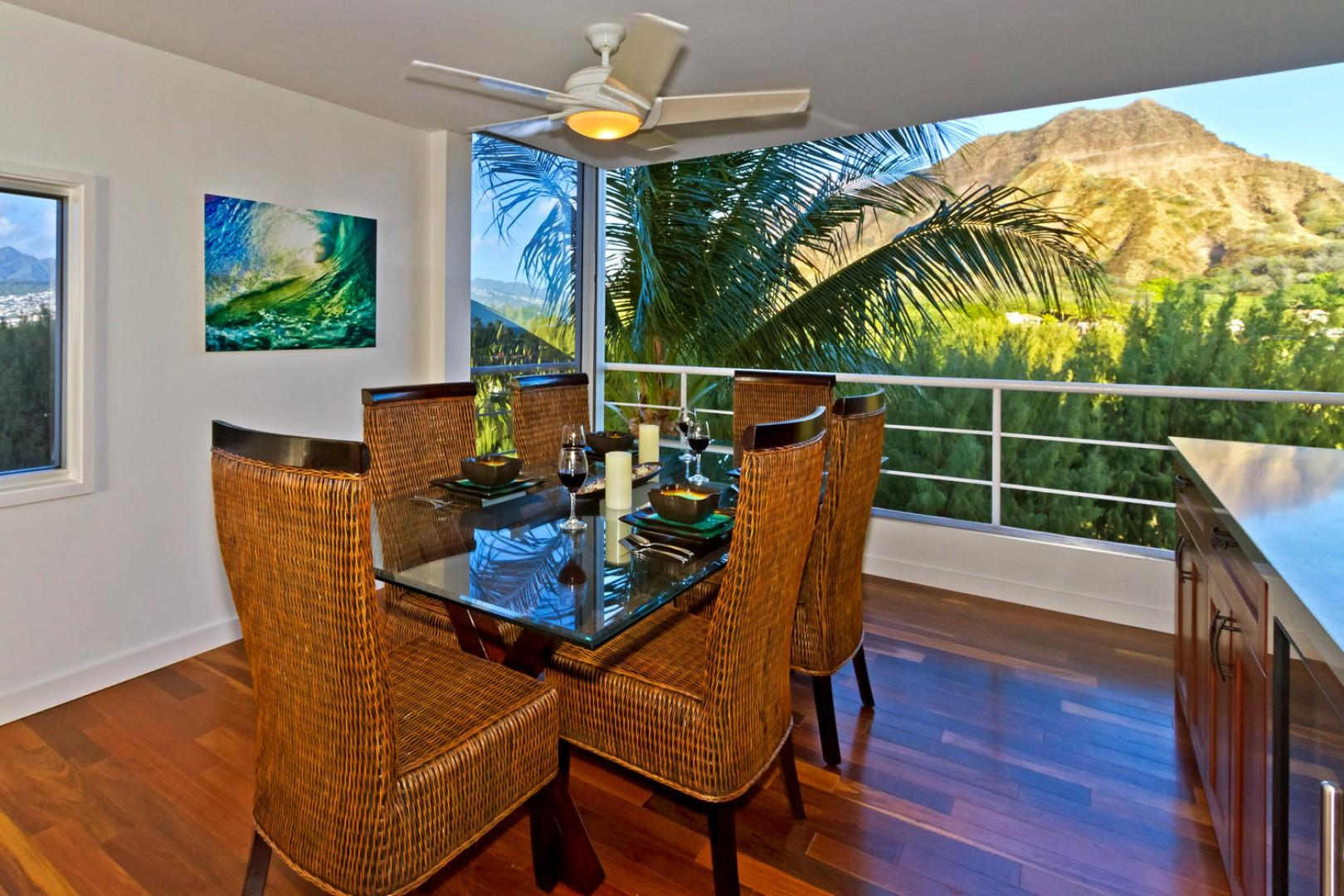Dine with a party of six, with Diamond Head in the background.