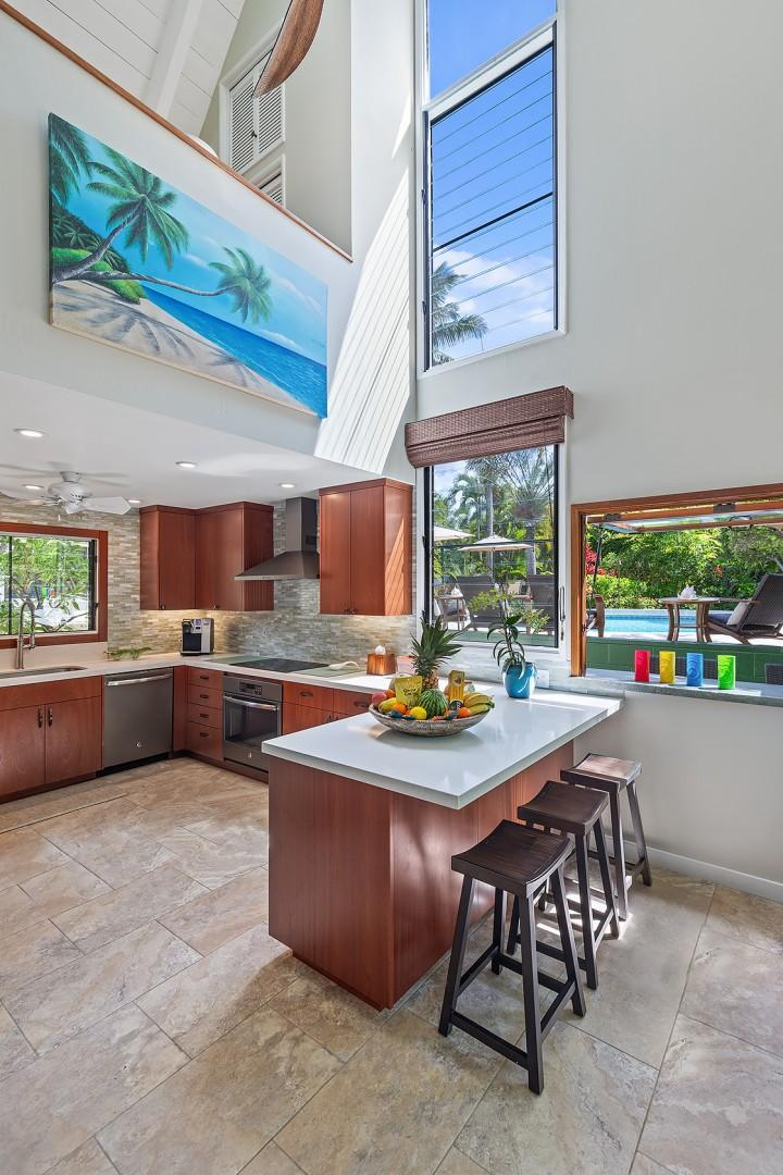 Pool House - Chef's Kitchen and Bar