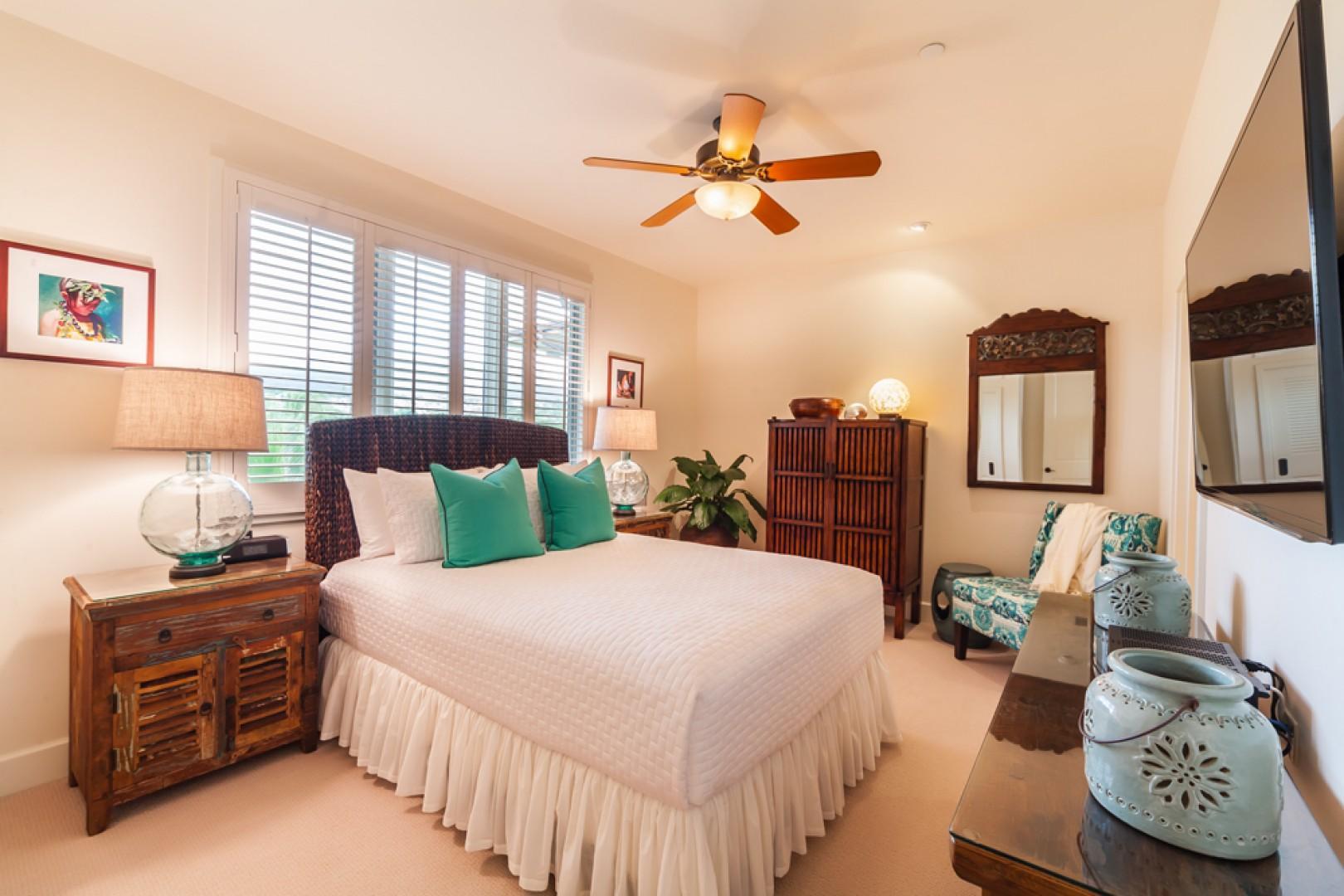 J505 Orient Pacific Suite Third Queen Bedroom with an En-Suite Bath