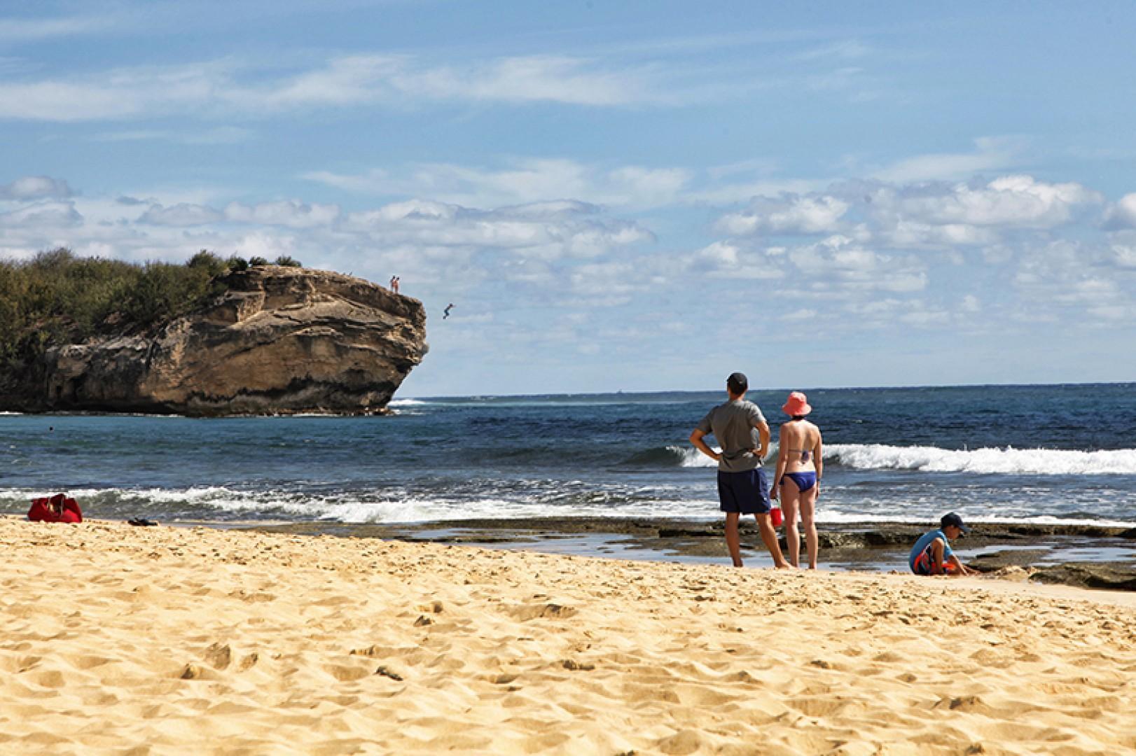 Poipu shipwrecks beach